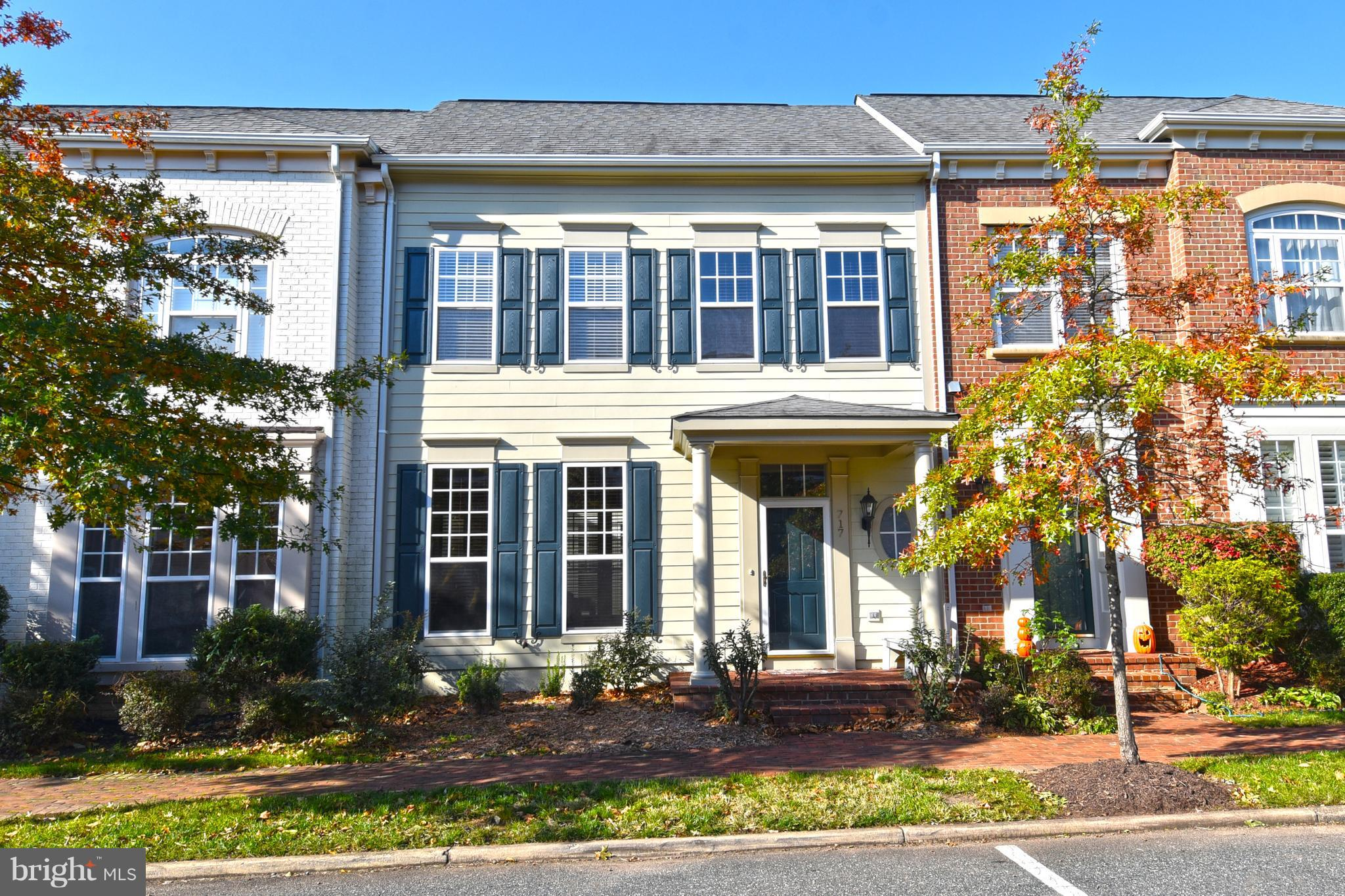 Spacious, Award Winning 3BR, 2.5BA TH in Belmont Bay. HUGE master BR with LARGE walk-in closet. Outdoor atrium off kitchen area. Granite countertops. 2 car garage. Fantastic community on the Occoquan. Swimming, tennis, marina, restaurant, VRE train within walking distance and mins from I95 a and commuter lots. Everything You Need for a Resort-Style Community.
