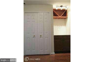 1220 Quaker Hill Dr, Alexandria, VA 22314