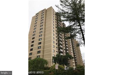 Photo of 307 Yoakum Pkwy #520
