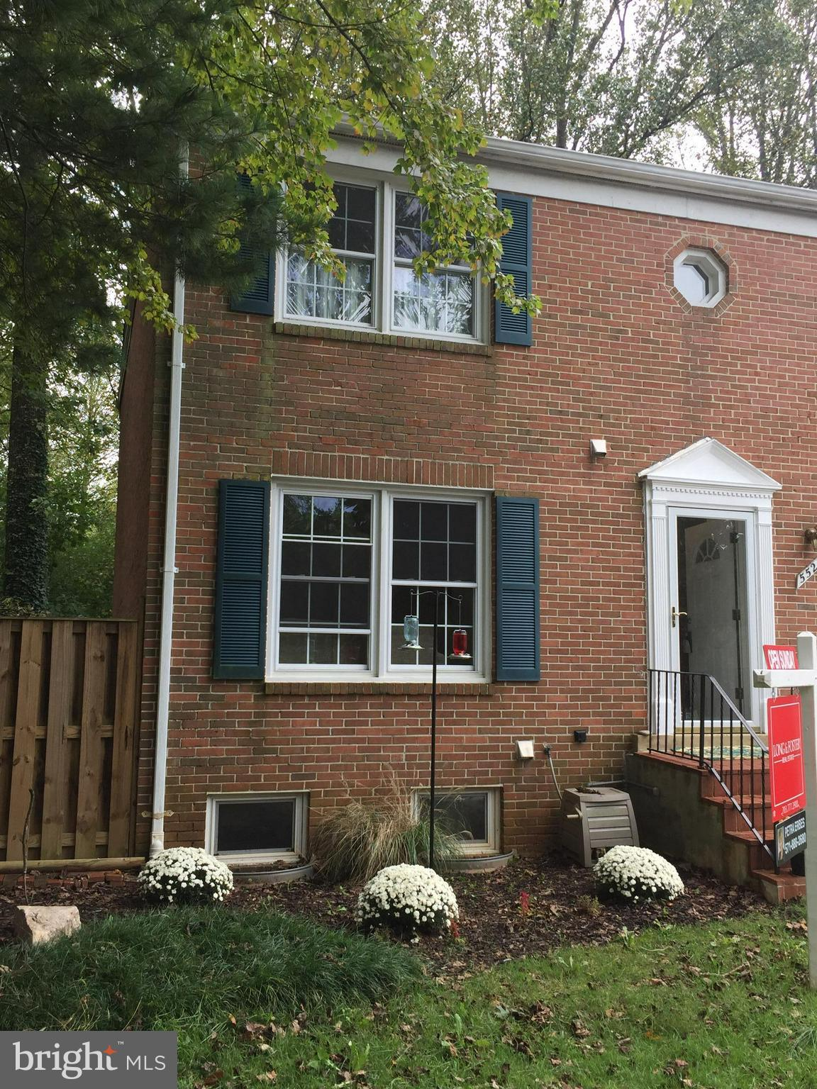 Beautiful, large end unit Townhouse in desirable Lake Braddock subdivision. Professionally refinished hardwood floors in main living area and all bedrooms. Large walk in closet in master bedroom. New refrigerator, new paint throughout house. Finished basement with bonus room. Large fenced in, private back yard, perfect for entertaining.Only minutes away from lake.
