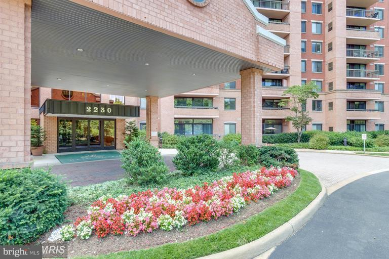2230 George C Marshall Dr #905, Falls Church, VA 22043