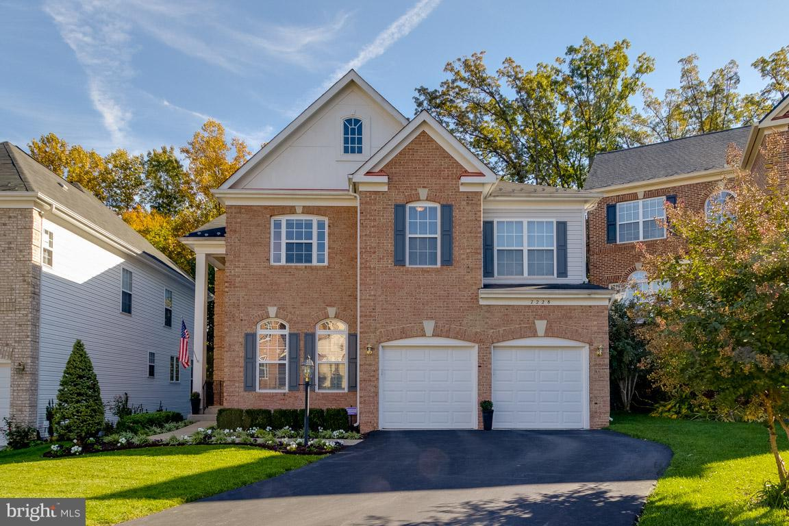 STUNNING BRICK-FRONT HOME MINS TO FT.BELVOIR, METRO BUS, & VRE! BACKS TO TREES! HARDWOOD FLOORS ON MAIN LVL & UPSTAIRS LANDING. GOURMET KITCHEN W/BRAND NEW DOUBLE OVEN AND GAS COOKTOP. TWO-STORY LIVING ROOM W/GAS FP AND CUTOM BUILT-INS. MASTER SUITE BOASTS TRAY CEILING, 2 WALK-IN CLOSETS, & LUXURY BATH. RECENTLY UPGRADED CARPET. STAINED DECK W/LIGHTING AND WALKOUT BASEMENT ACCESSIBLE TO LL PATIO.