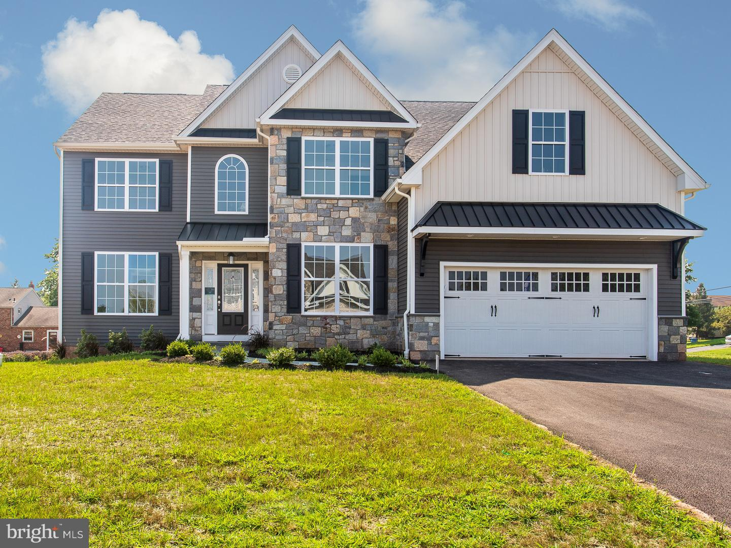 302 CALEY COURT, KING OF PRUSSIA, PA 19406