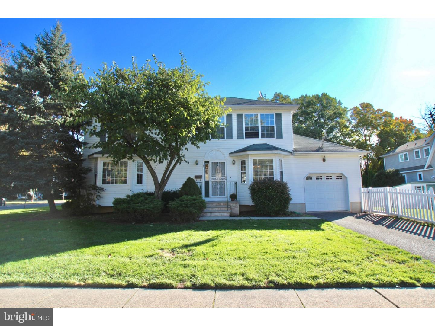 46 KEMPSON PLACE, METUCHEN, NJ 08840