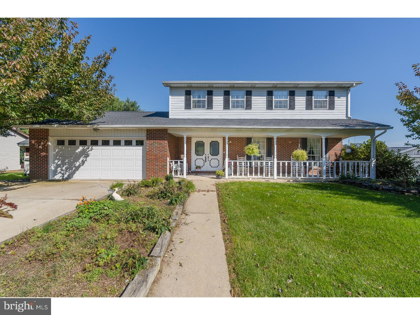 965 HILLCREST DR S, MACUNGIE, PA 18062