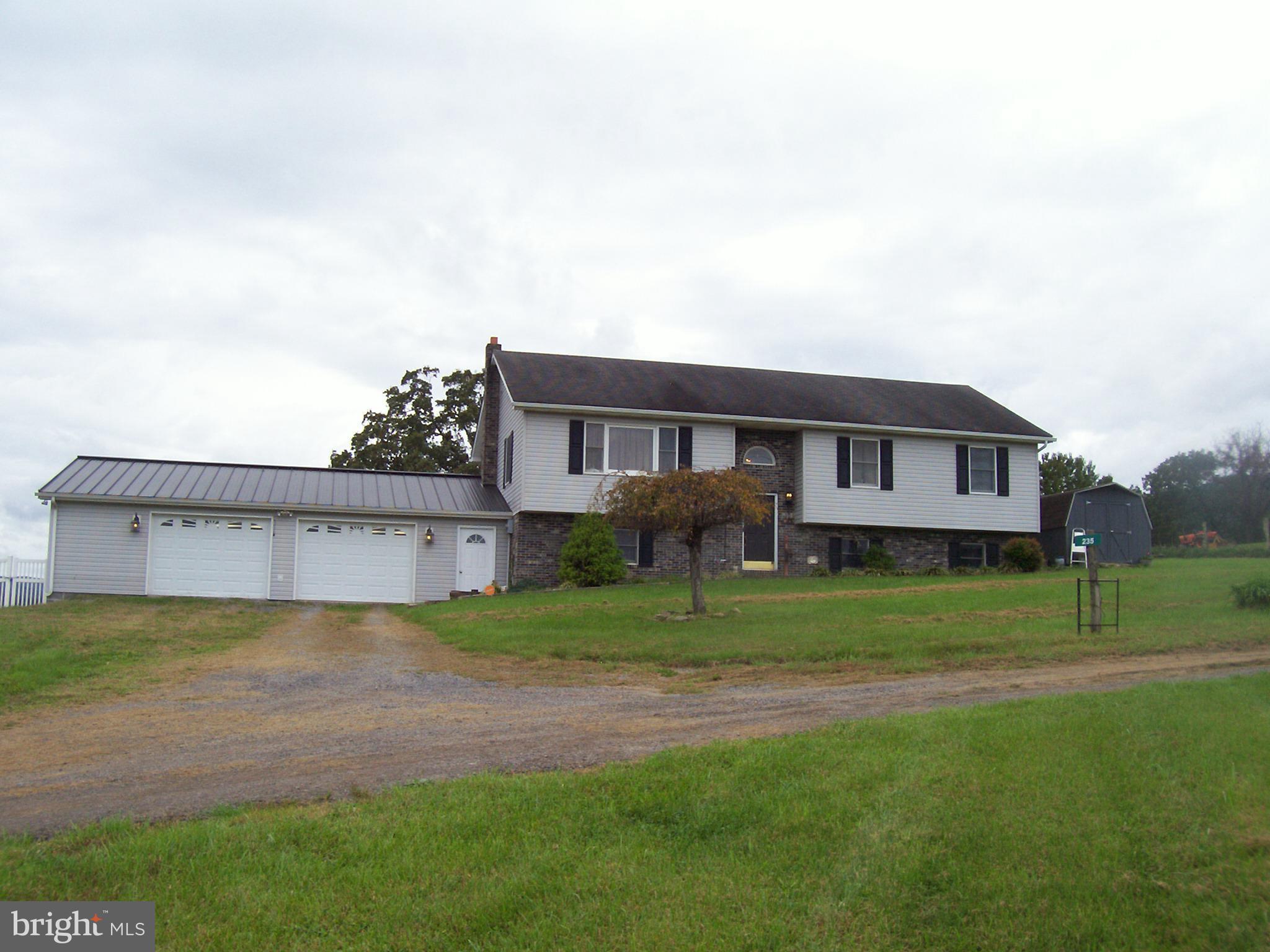 235 FORSYTHIA LANE S, PETERSBURG, WV 26847