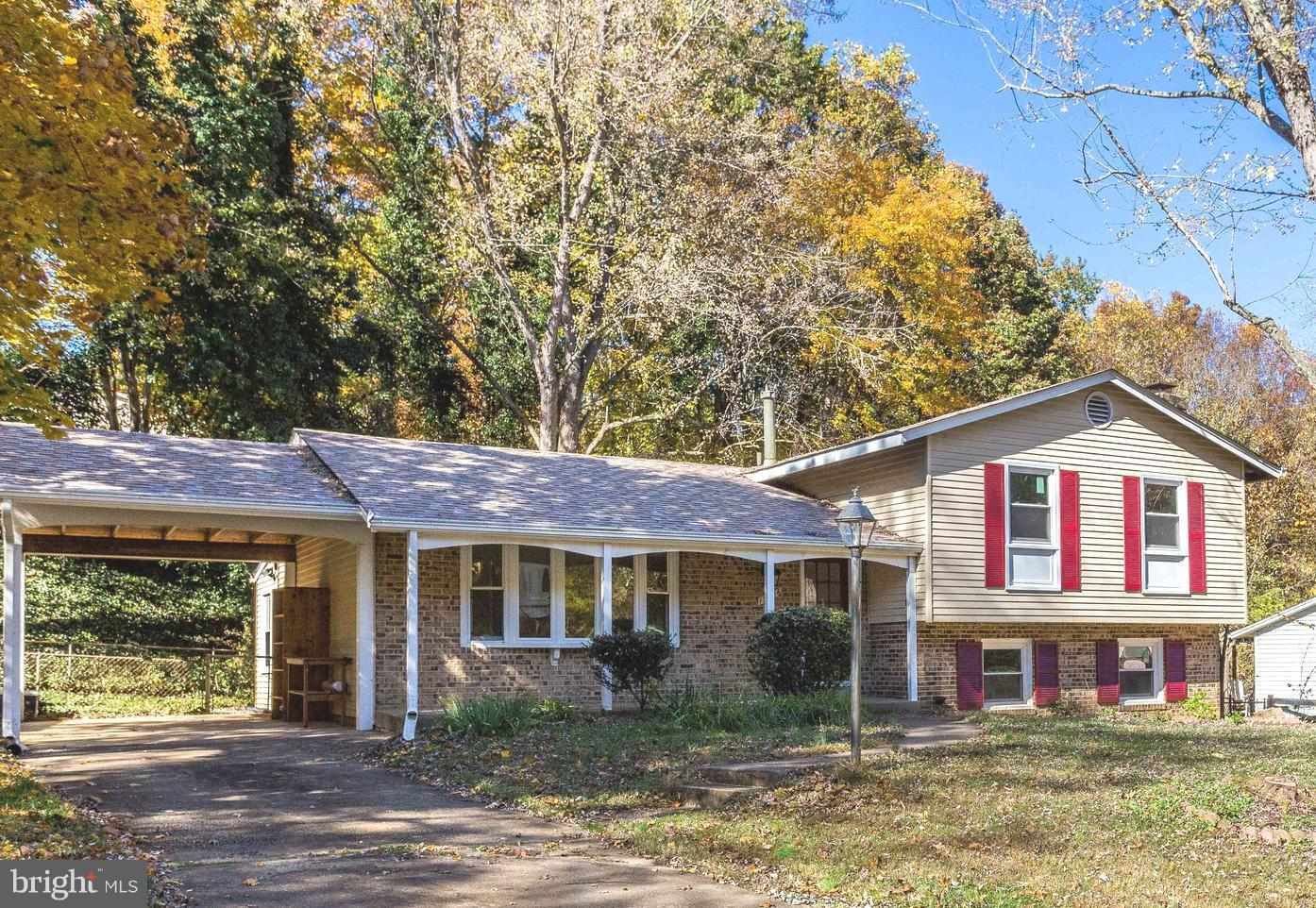 Welcome to this beautiful single family home.4BD/2.5BA, updated kitchen, brand new S/S appliances, family room w/wood burning fireplace & brick hearth. New flooring throughout, Roof replaced 2016. Newer windows & HVAC syst, fenced rear yard, fresh paint. Minutes to I-95, commuter lot, VRE, shopping, schools, recreation & pool. Convenient to Quantico, Ft Belvoir & DC. NO HOA.