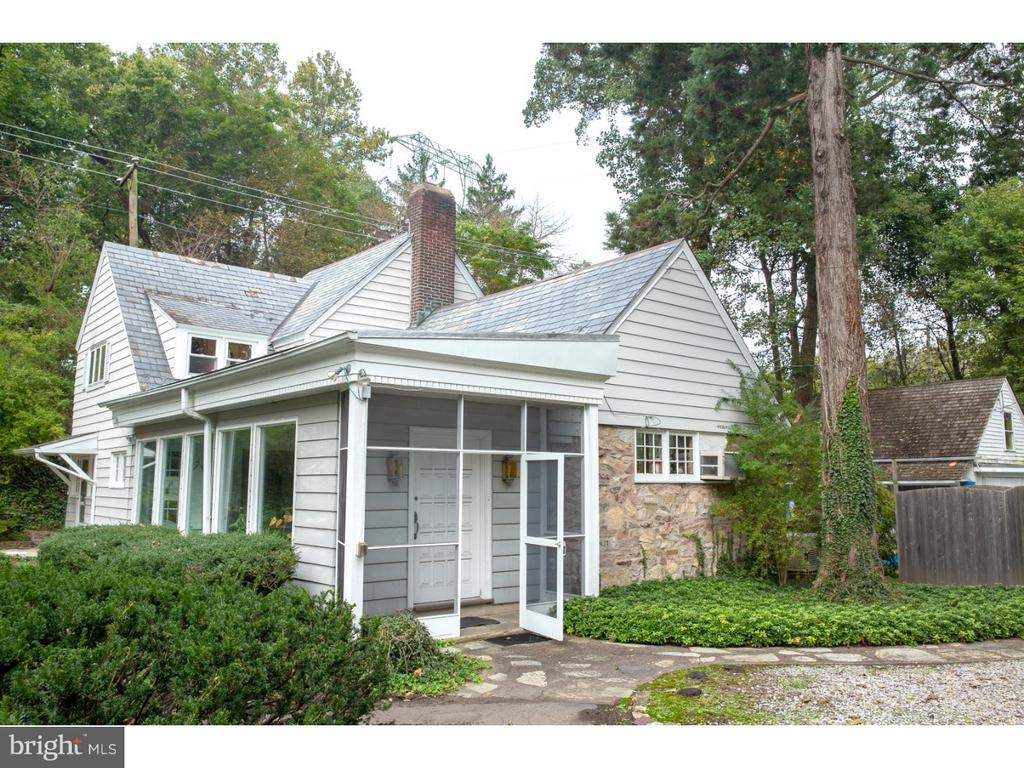 2433 RIVER ROAD, NEW HOPE, PA 18938