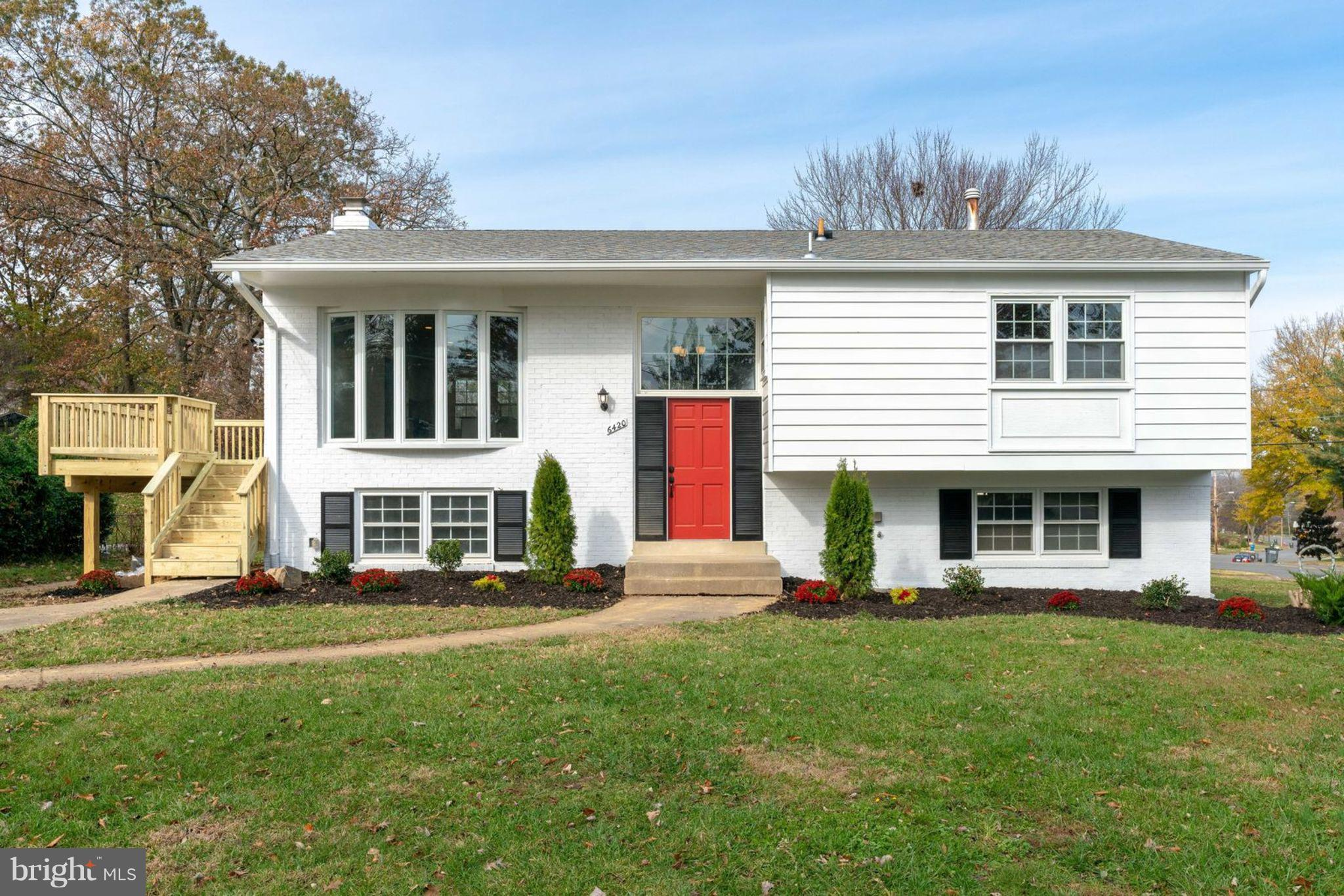 Beautiful Fully Renovated Home in Springfield, Virginia. Modern and Open Floor Plan. Spacious Corner Lot On a Cul-De-Sac. Close proximity to  Springfield Mall, 95, 395, and 495.
