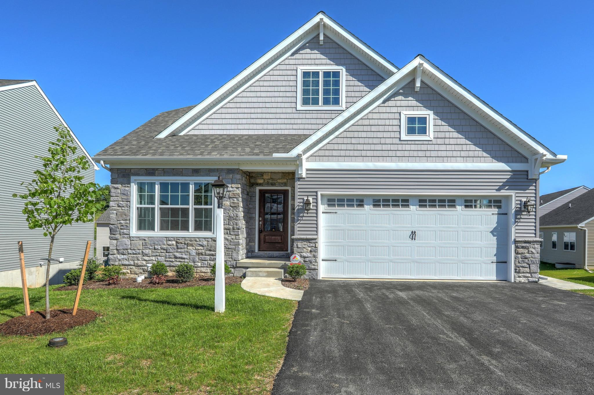 713 DUQUESNE ROAD, YORK, PA 17402