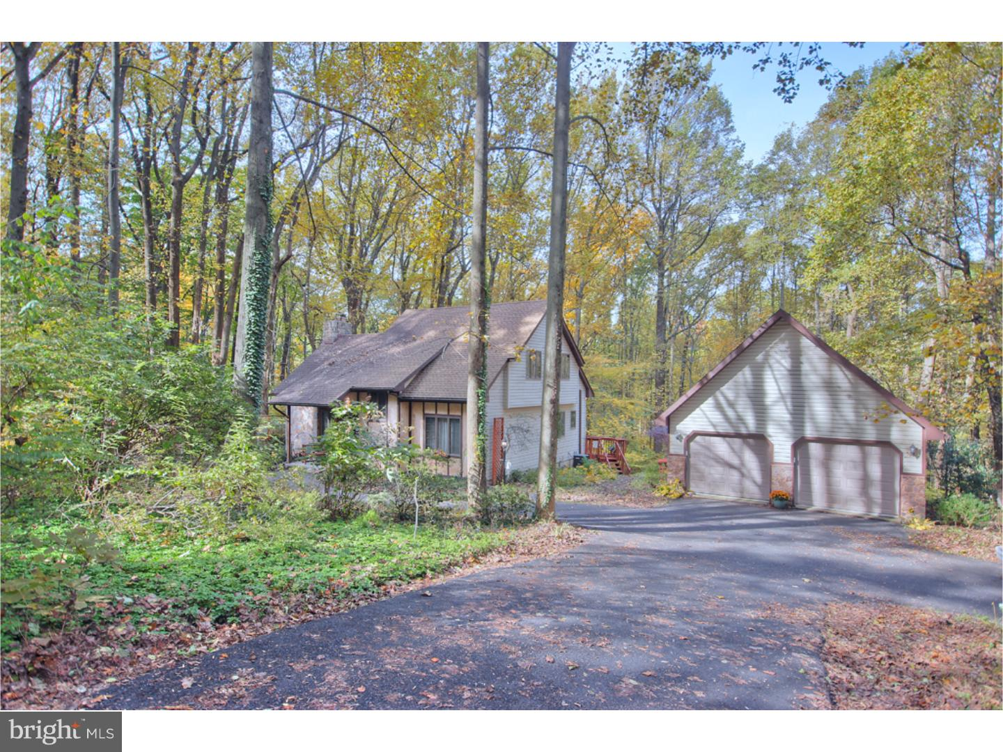 5253 SPRING DRIVE, CENTER VALLEY, PA 18034