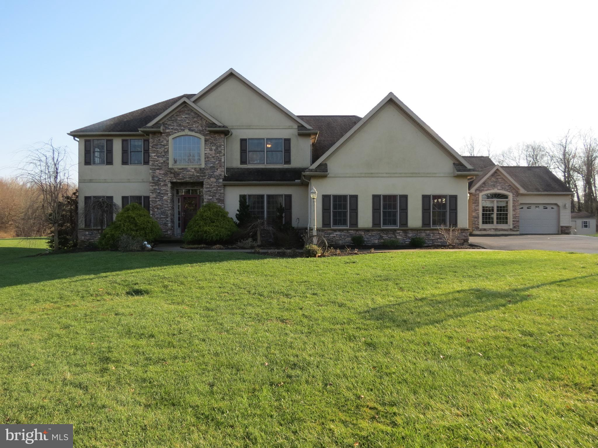 670 E CANAL ROAD, HERSHEY, PA 17033
