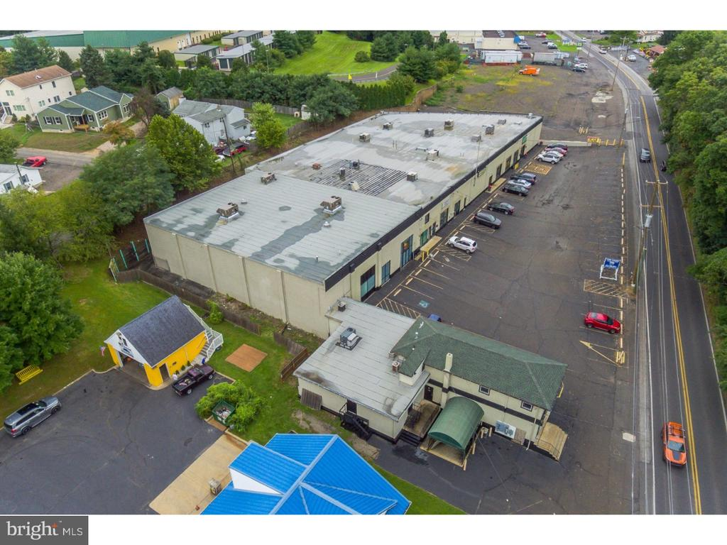 Space Available: 2,140 - 3,800 SF Date Available: 9/1/2018 Space Types: Retail New ownership is making a TON of Capital Improvements including: resurfacing parking lot, refacing the facade, updating the electrical, LED lights throughout the parking lot, security cameras, and NEW SIGNAGE FOR CENTER AND TENANTS.  This is a 32,000 square foot Shopping Center located in Festerville-Trevose with along E Bristol Rd with an AADT of over 16,000 cars daily!