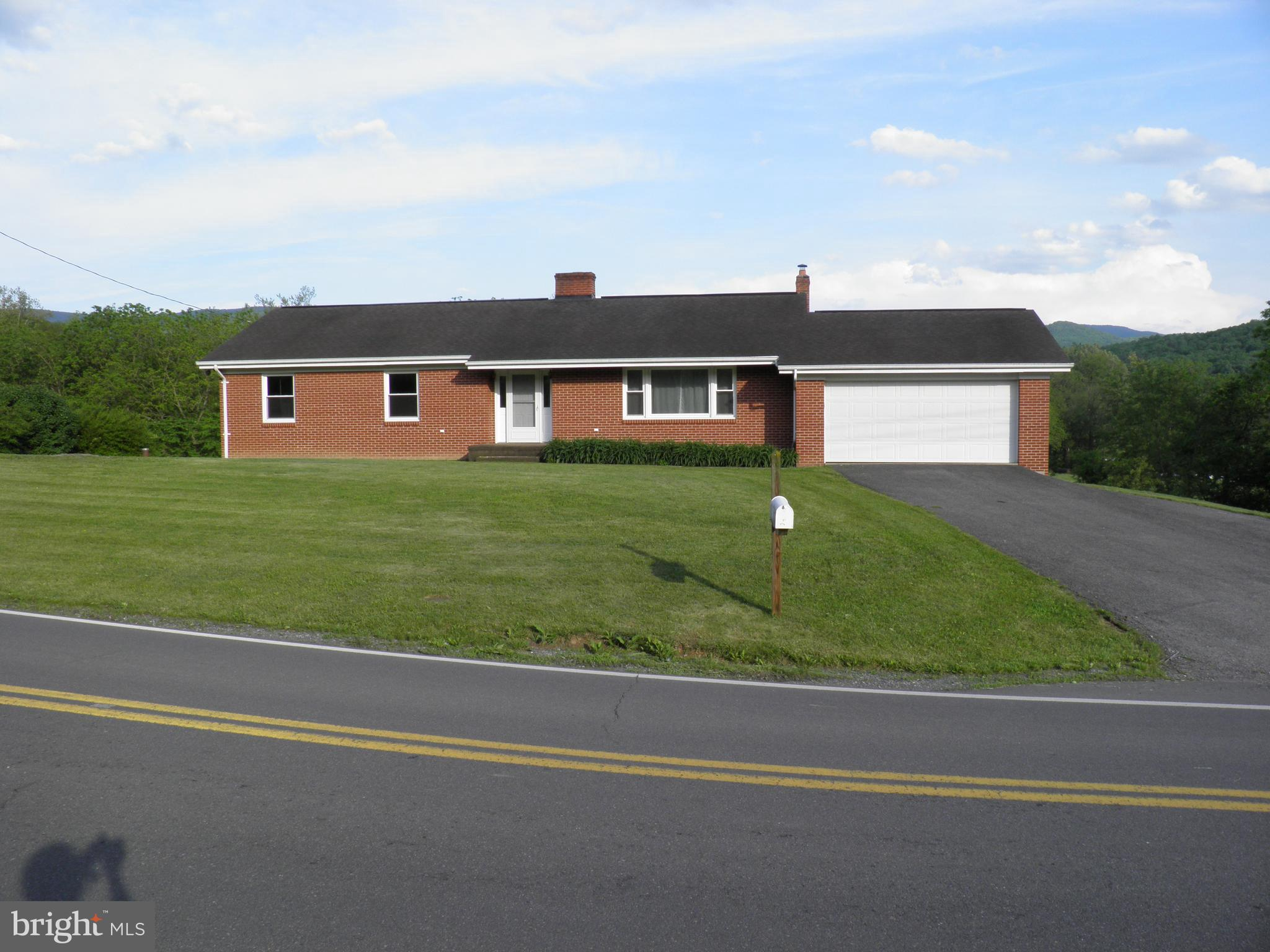 476 SWEEDLIN VALLEY ROAD, BRANDYWINE, WV 26802