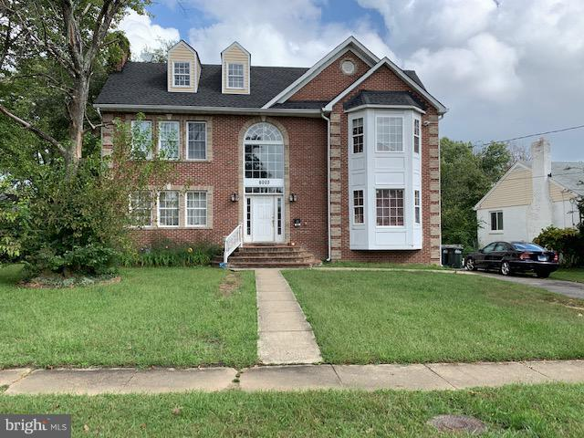 Listing info cannot be verified at this time. Do NOT approach property at all. Occupied - Do Not Disturb Occupant. Brick Home in Great Location! FANTASTIC LOCATION MINUTES to 95/395/495, Springfield Town Center. Walk to Crestwood Elem & park.