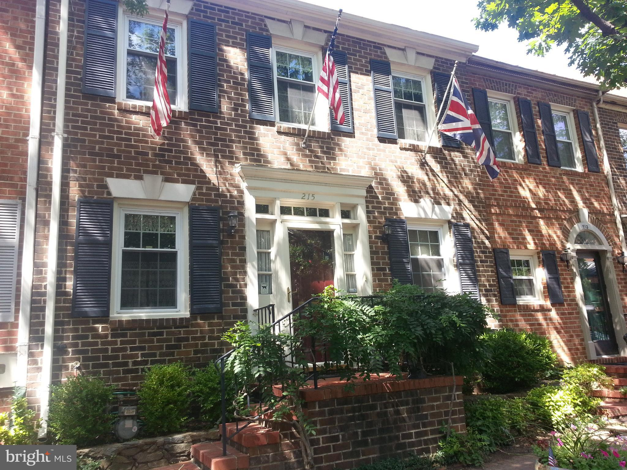 2 Level Living!  Off St Pkg. STEPS FROM THE POTOMAC RIVER! 4 sts to King St! LOCATION! LOCATION! 3 good sized BR's, 2 Full BA's plus main level half bath. Eat In Kitchen+ separate DR, step down LR has gas fpl flanked by custom bookshelves & looks out to private patio. Sep Laundry Rm. Full attic for storage/potential expansion! Move In Condition!  Sparkling..  Bring your offer!