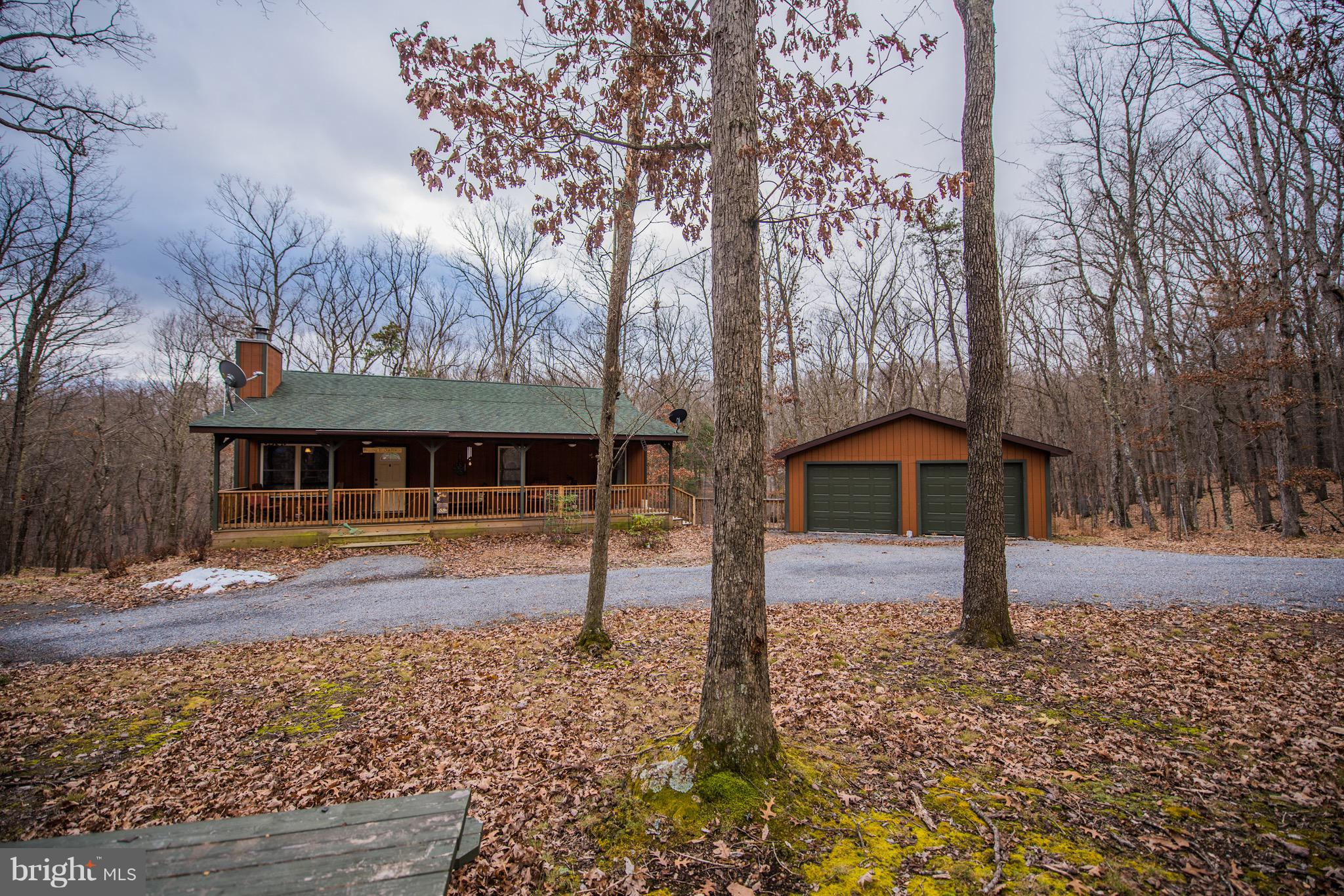 290 MOSS LANE, GREAT CACAPON, WV 25422