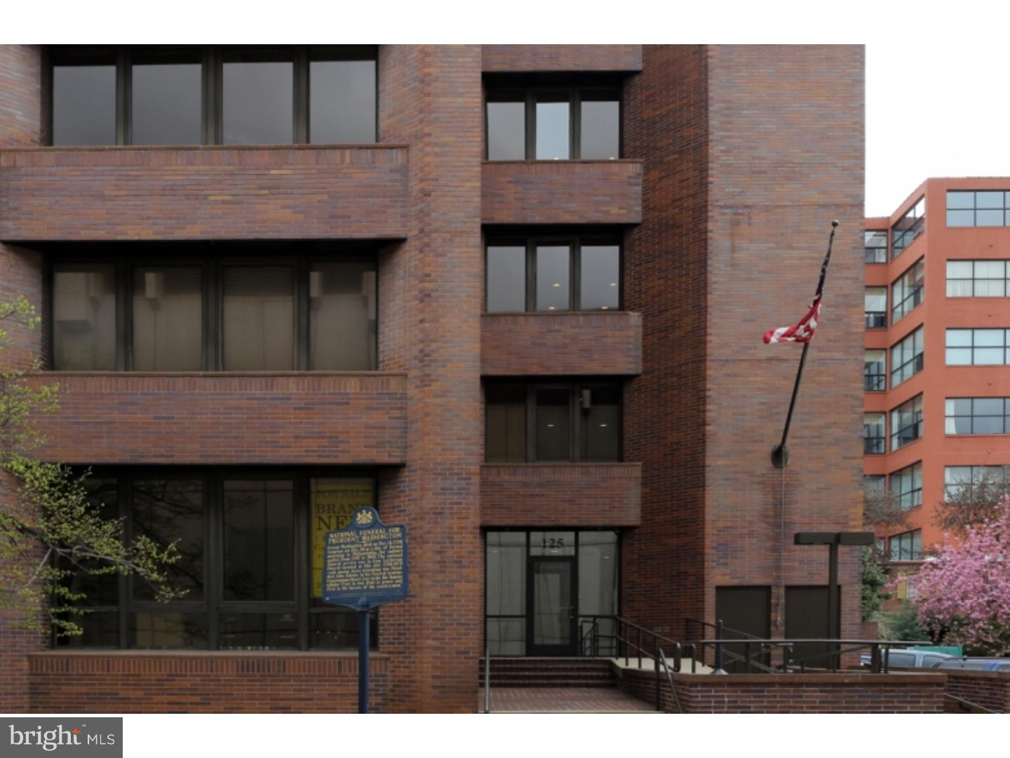RARELY AVAILABLE ONE BEDROOM, ONE and a HALF BATH CONDOMINIUM FOR RENT, IN OLD CITY!!!  This sun splashed residence is a must see. All open living and dining area, kitchen with granite counter tops, and stainless steel appliances. Your bedroom is spacious, gracious, and boasts large closets and, there are hardwood floors throughout, this contemporary residence. Indoor and outdoor parking available for an additional fee. Pictures are of model unit.