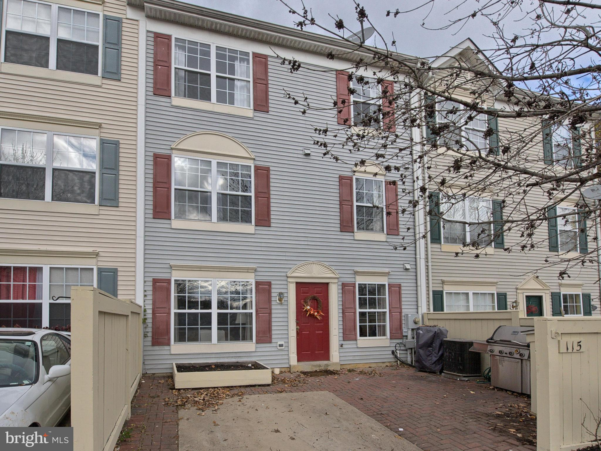 Just what you're looking for! Affordable townhome with new carpet, large master bedroom with private bathroom and walk in closet on its own floor. Community pool within walking distance! Just minutes from Fort Detrick and Historic Downtown Frederick. Close to shopping, dining, Museums, Monocacy Battlefield, County Parks, and more!