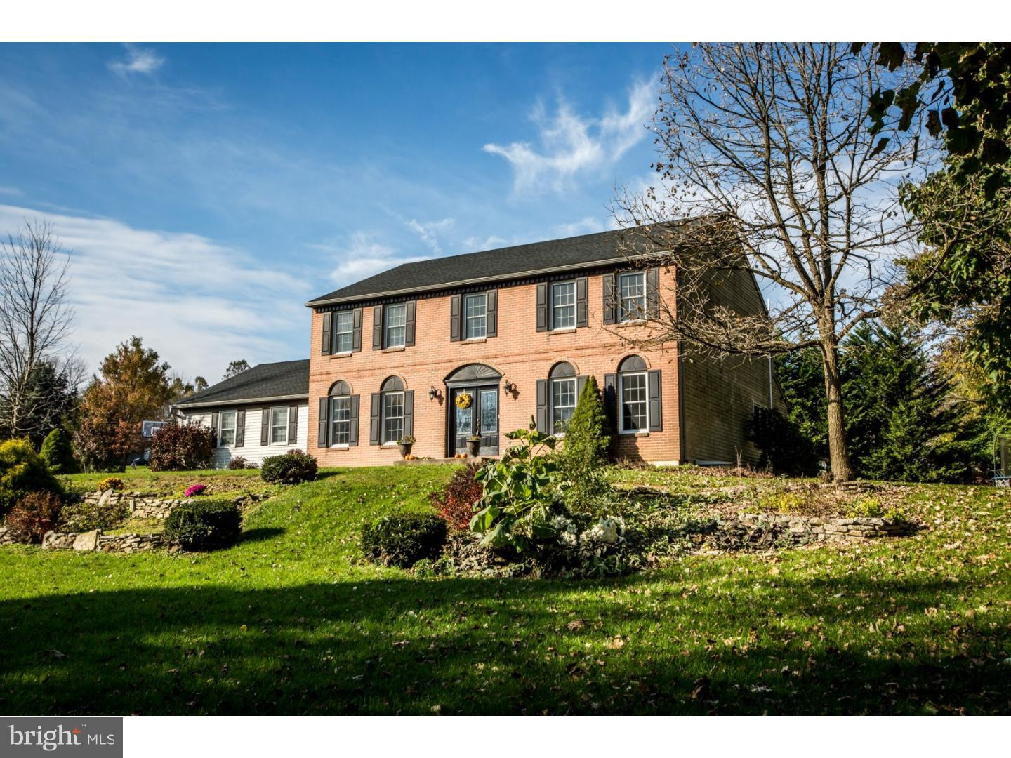 28 FOREST VIEW DRIVE, WERNERSVILLE, PA 19565