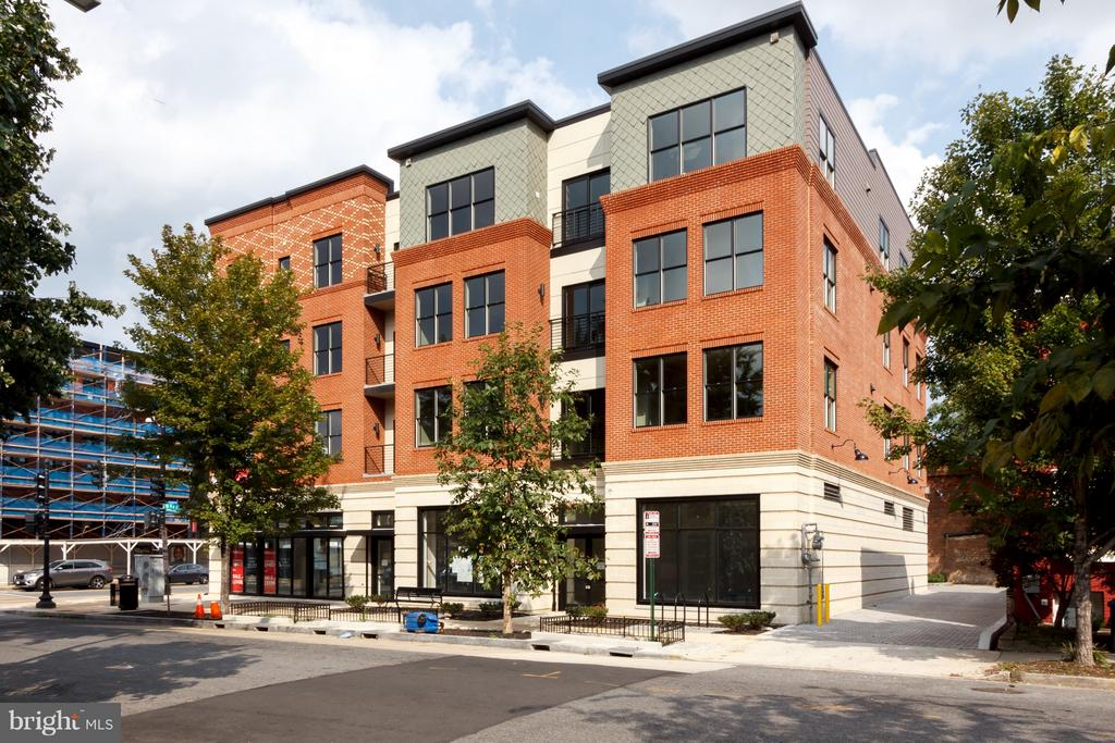 STUNNING PH JUST LISTED!   Open House 3/24 from 1-4pm.  The Lucille is H Street's hottest new address for those looking for an absolutely stunning residence.  Striking NEW CONSTRUCTION.   Expertly designed, meticulously curated, finely crafted.   Features include; custom designed and hand made cabinetry, Cobalt Blue Viking range, Honed Marble Countertops, Pella Windows, Custom all wood vanities w/marble tops, 5 panel solid core door, Floor-to-ceiling windows, Rooftop Deck, Elevator. Incredible location, minutes to restaurants, Metro, shops, more! Walk Score of 93.  Parking available for purchase.