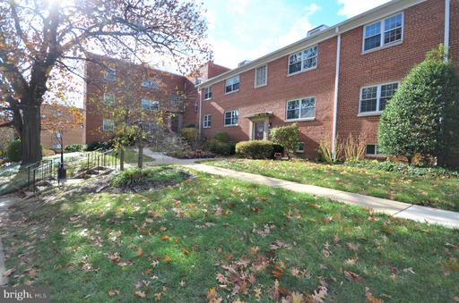 832 Greenbrier, Arlington, VA 22204