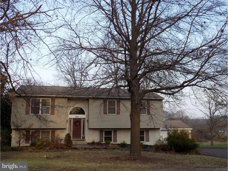 229 WASHINGTON STREET, EAST GREENVILLE, PA 18041