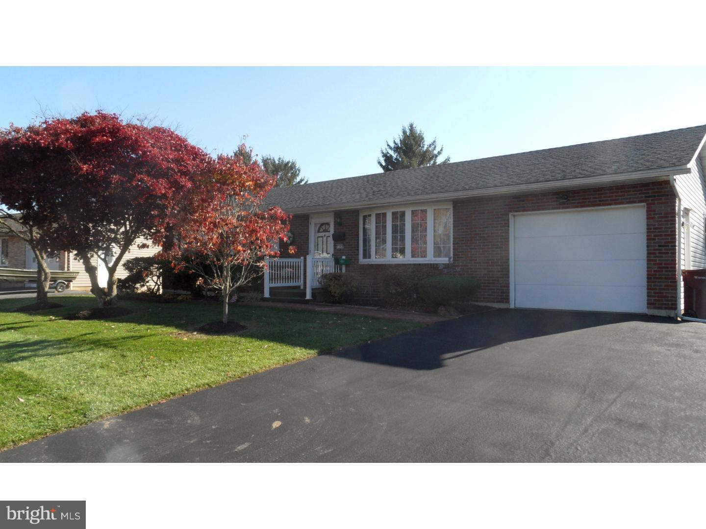 3392 BARKLAY ROAD, WHITEHALL, PA 18052