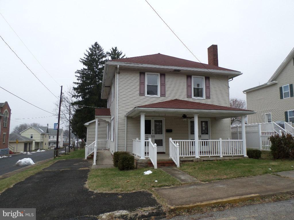 200 EAST STREET, WILLIAMSTOWN, PA 17098