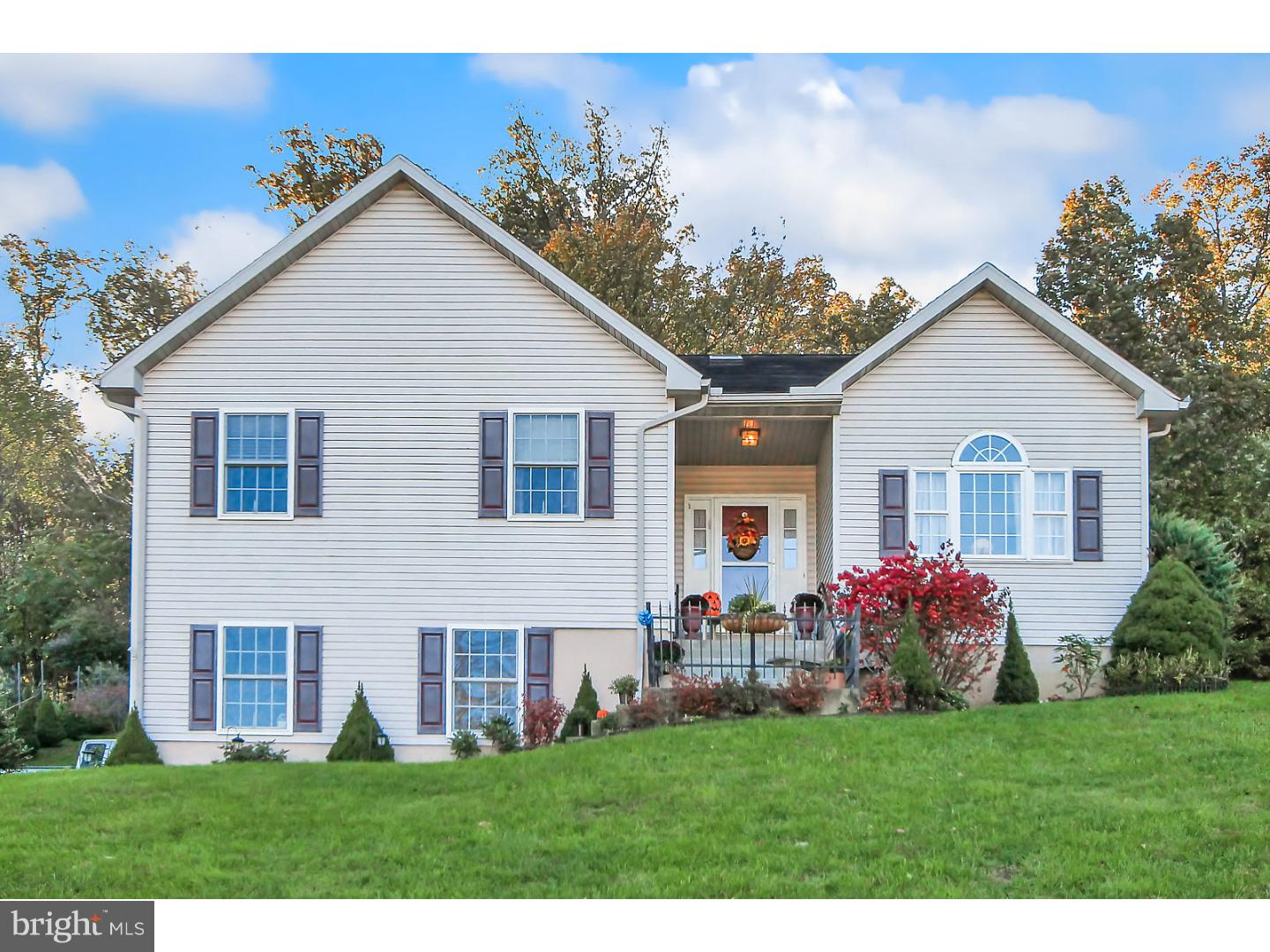 915 BEDFORD AVENUE, READING, PA 19607