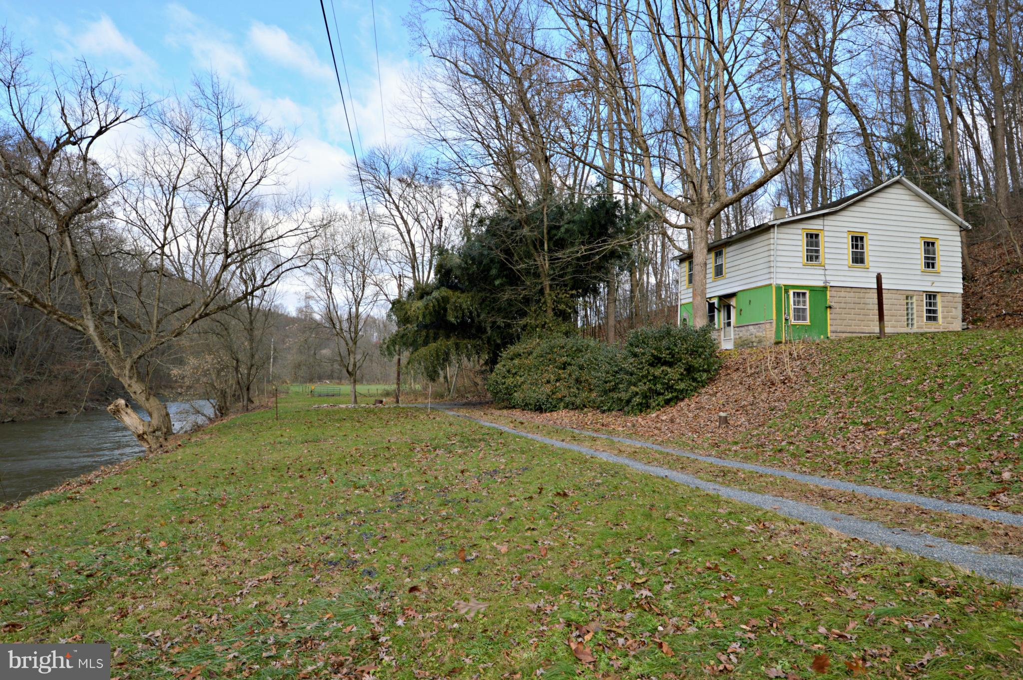 123 HORSE HOLLOW ROAD, PEQUEA, PA 17565