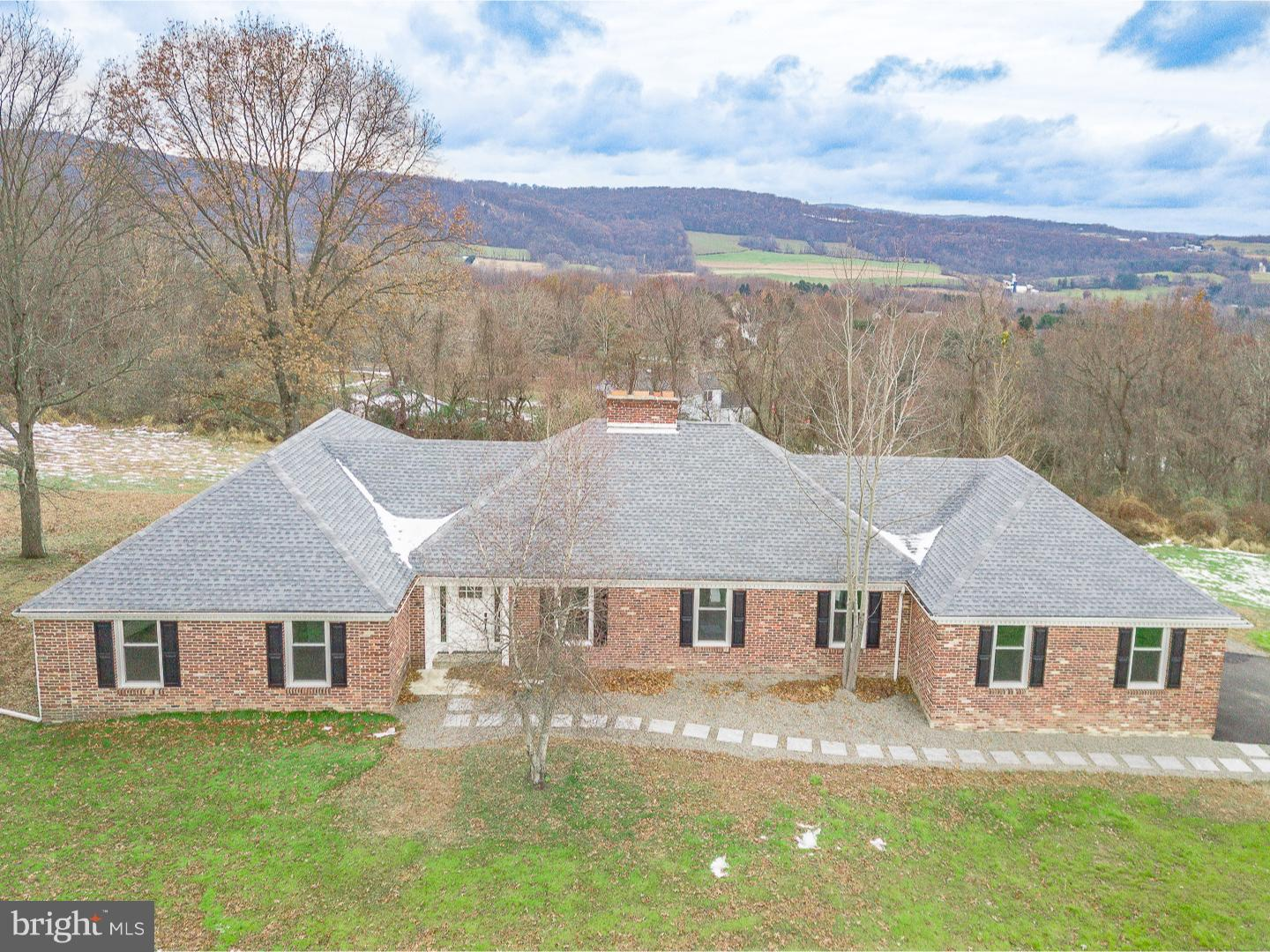 515 SUMMIT LANE, RIEGELSVILLE, PA 18077