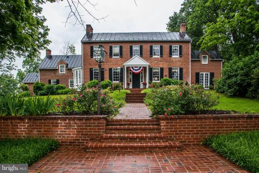 21524 Whites Ferry Rd, Poolesville, MD 20837