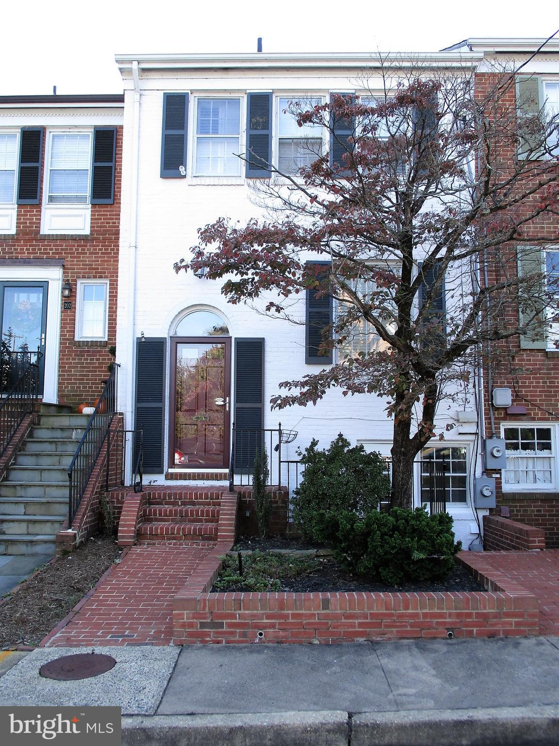 This lovely brick townhouse close to Jones Point Park, Mount Vernon Trail, Potomac Waterfront, King Street shops, and more is great for outdoor enthusiasts. Enjoy convenient parking, 2 spacious bedrooms, 2.5 bathrooms, hardwood floors, updated kitchen w/SS appliances and Quartz counter tops, 2 fireplaces, floored attic, backyard retreat, low maintenance yard, and no HOA. Don't miss this gem!