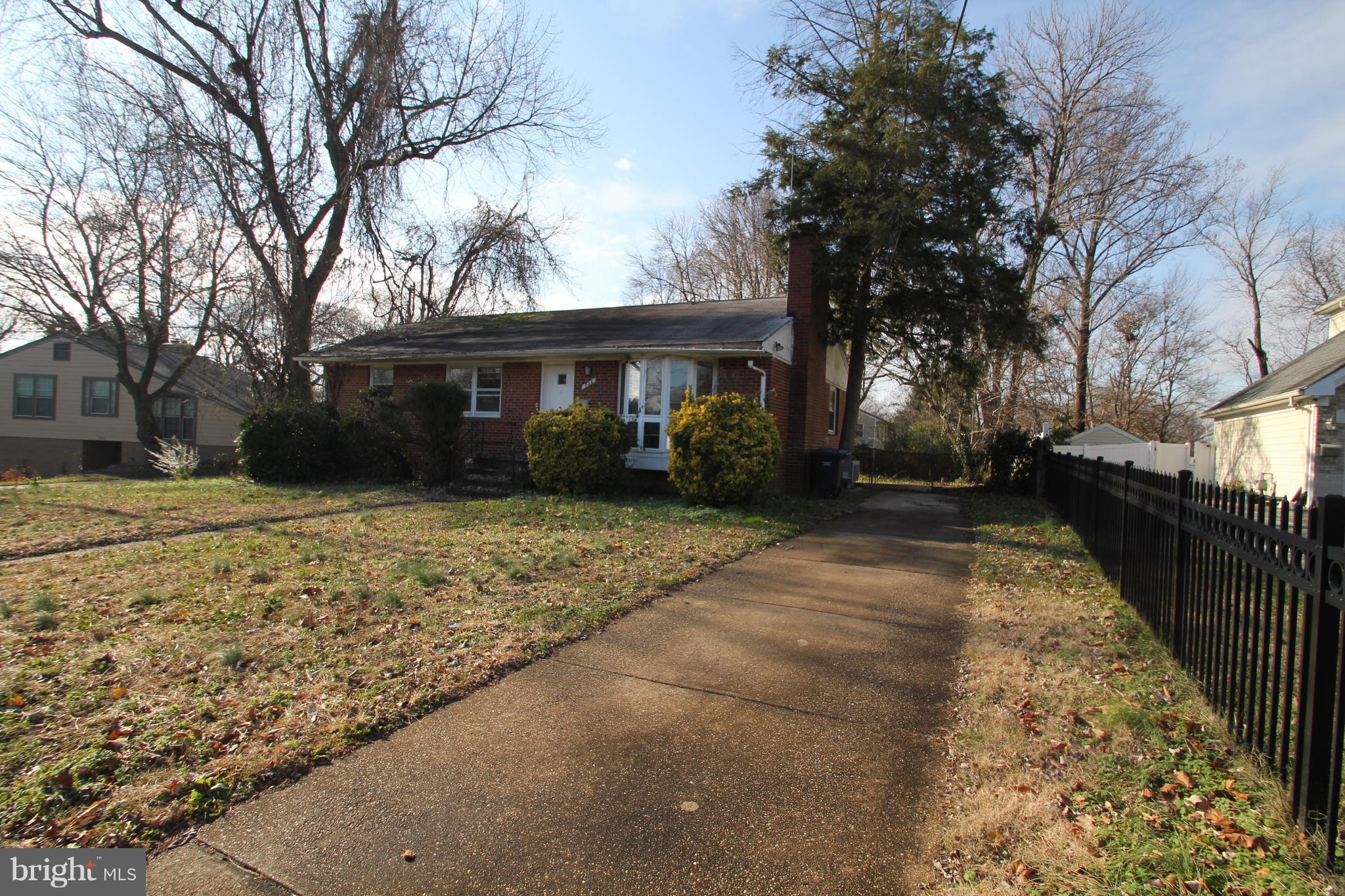 Excellent opportunity! 3 bed 2 bath rambler in Lincolnia Hills. Only 7 miles outside of the city. Large flat lot. Steps from N. Morgan bus stop.