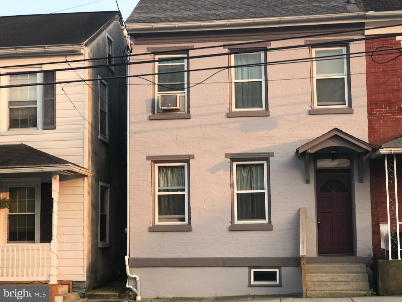 108 E PENN STREET, LENHARTSVILLE, PA 19534