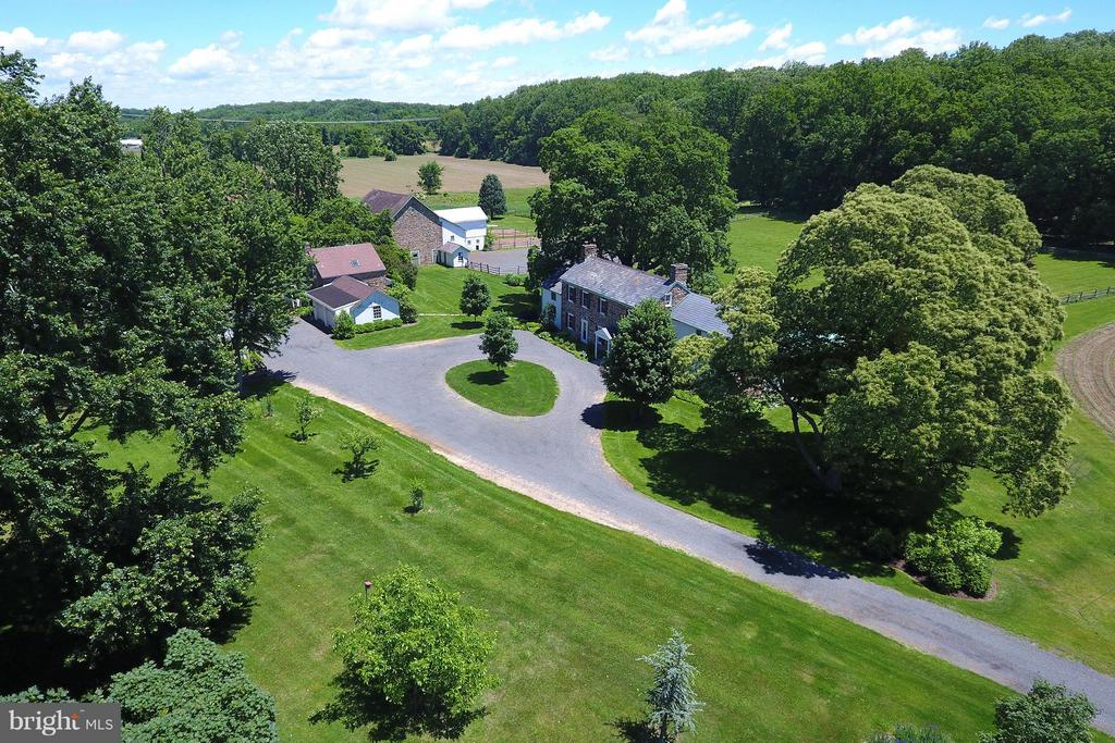 6302 GREENHILL ROAD, NEW HOPE, PA 18938