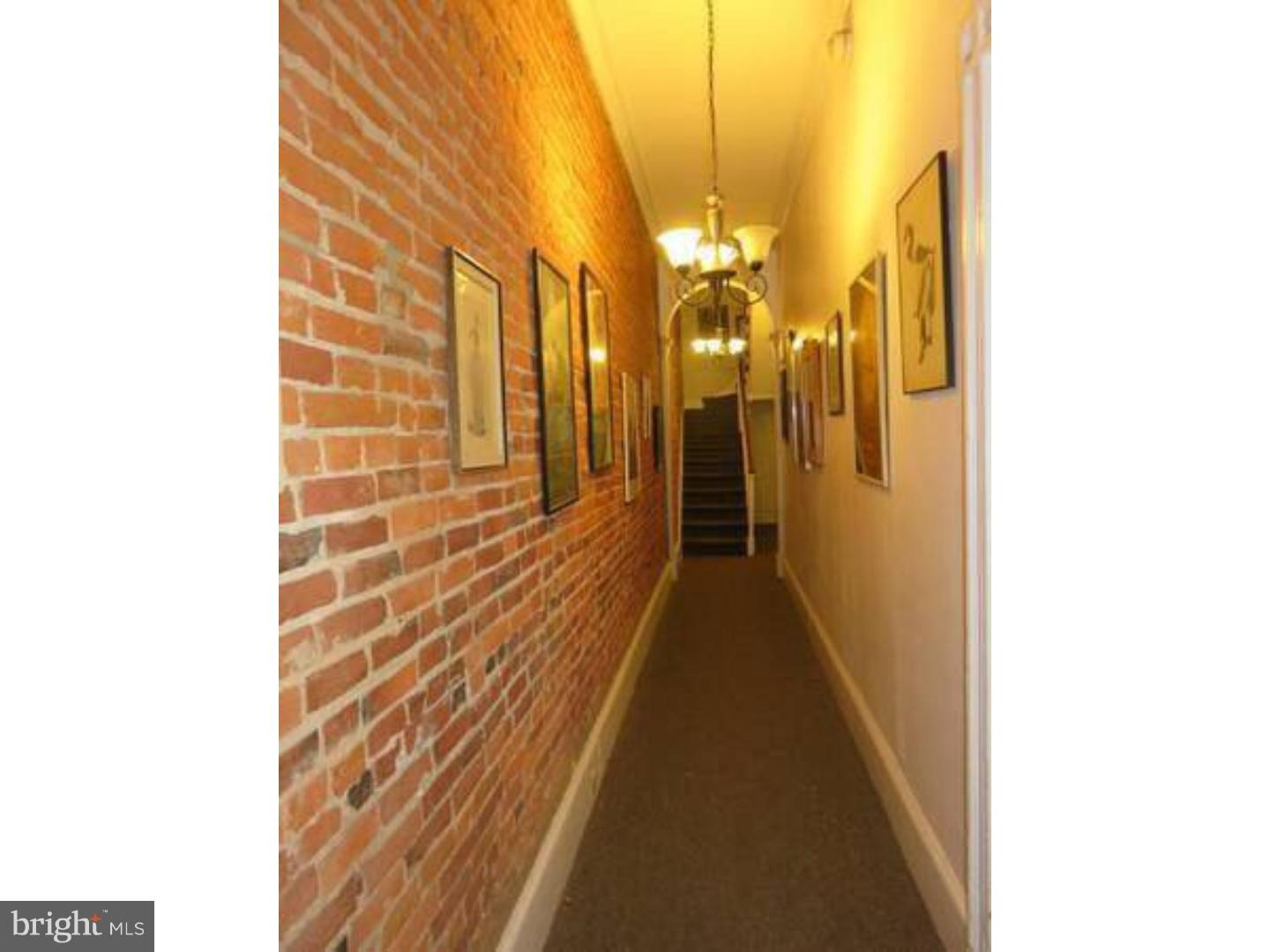 FOR A LIMITED TIME ENJOY ONE MONTH FREE RENT on a 13 month lease! Fantastic and spacious light filled 2 bedroom in the heart of WASHINGTON SQUARE. All open living and dining area, each bedroom is spacious and gracious with large tile bath. Enjoy living just minutes from some of the city's best restaurants and night life, and within easy walking distance to Jefferson Hospital and Pennsylvania Hospital.