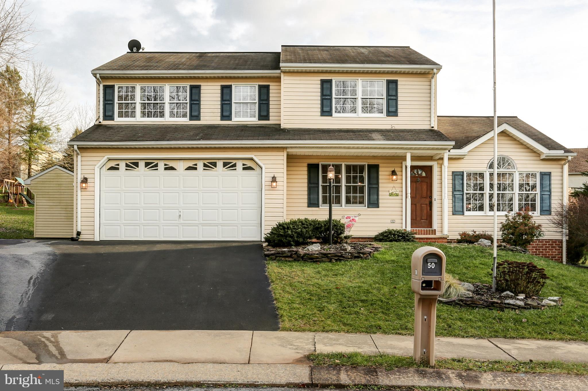 50 STEEPLE COURT, REINHOLDS, PA 17569