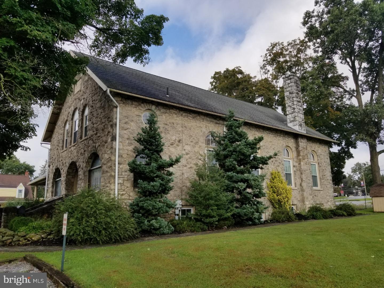 1 Penn Ave, Christiana, PA, 17509