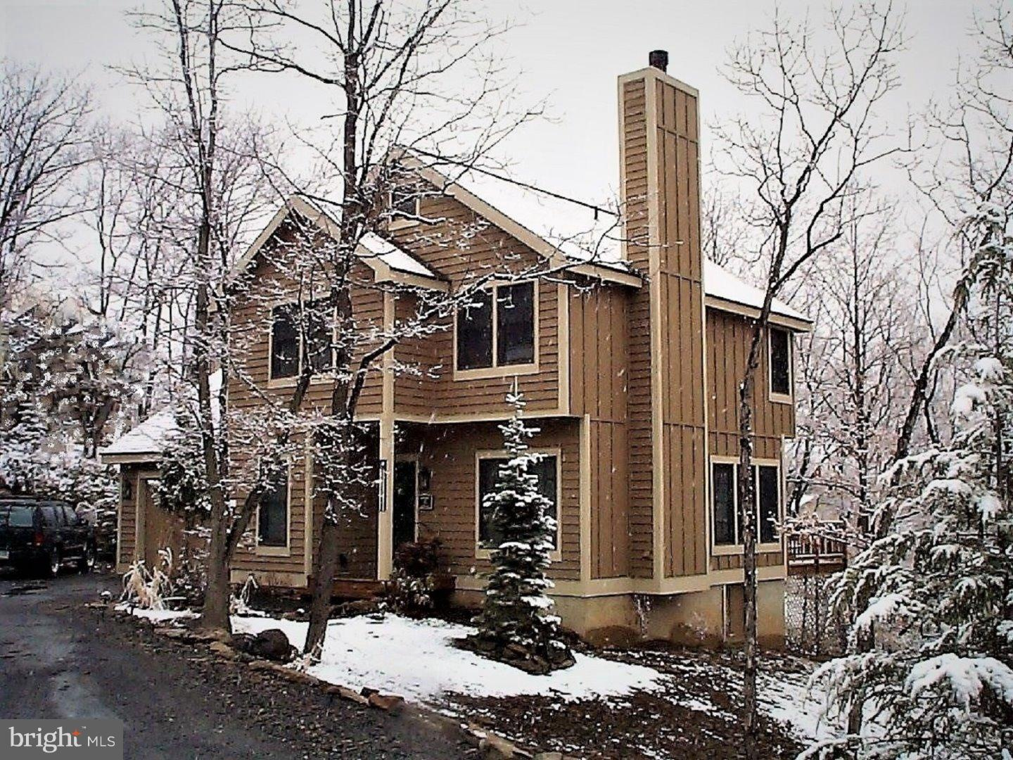 110 UPPER DEER VALLEY ROAD, TANNERSVILLE, PA 18372