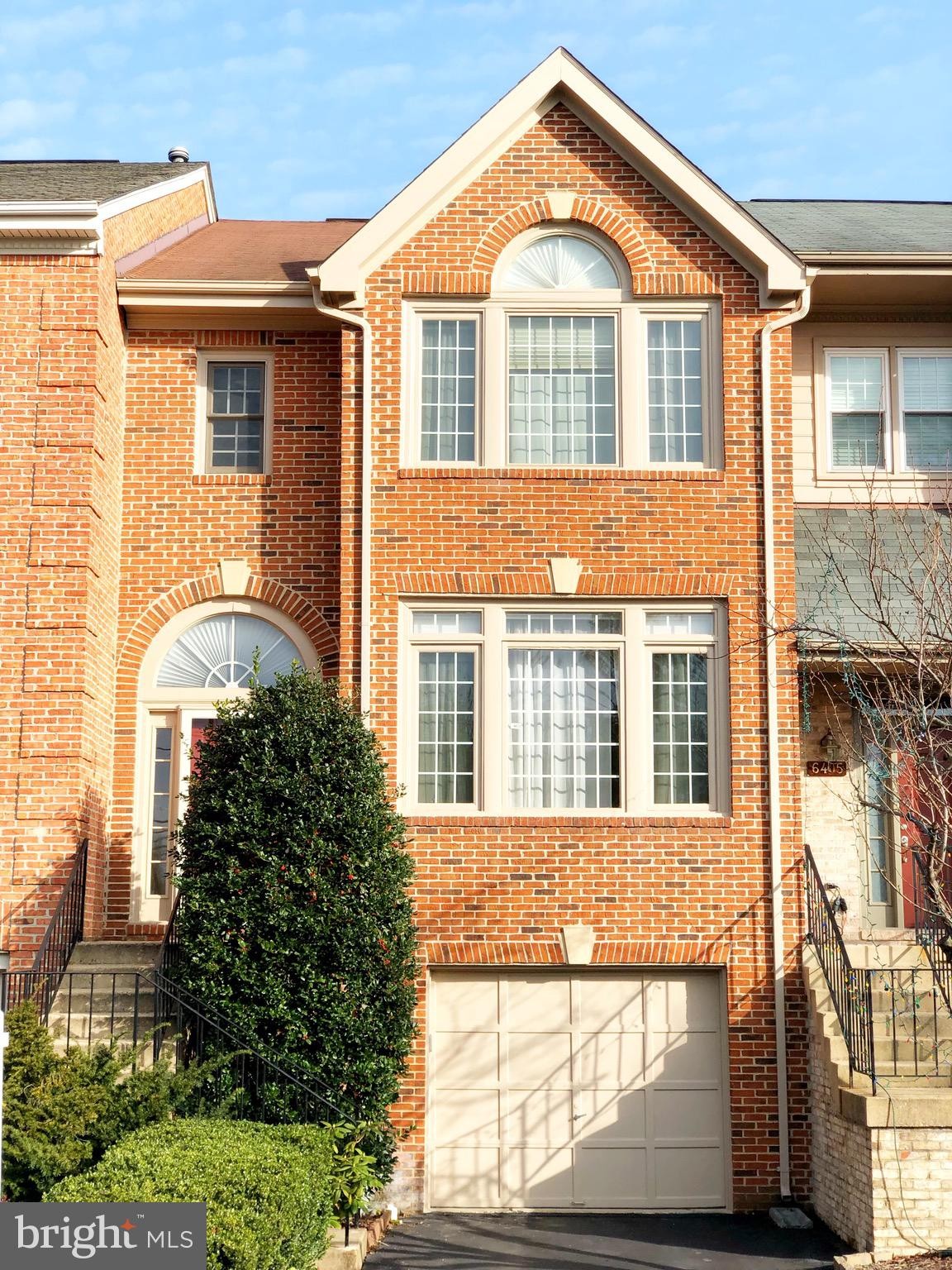 Commuter~s Dream! Brick Townhome w/ Garage just 2 Miles from the Franconia/Springfield Metro. Enjoy Shopping & the Convenience of 495/395/95 at your footsteps. Gorgeous vaulted ceilings in Bedrooms, Walk-in Closets, Freshly Painted, Cozy Fireplace, Fully Fenced Yard with Paver Patio, Great Deck for entertaining, Open Floorplan, Granite Countertops, Stainless Steel Appliances. Walk-out Basement backing to Trees. Great Privacy. Perfect place to call Home