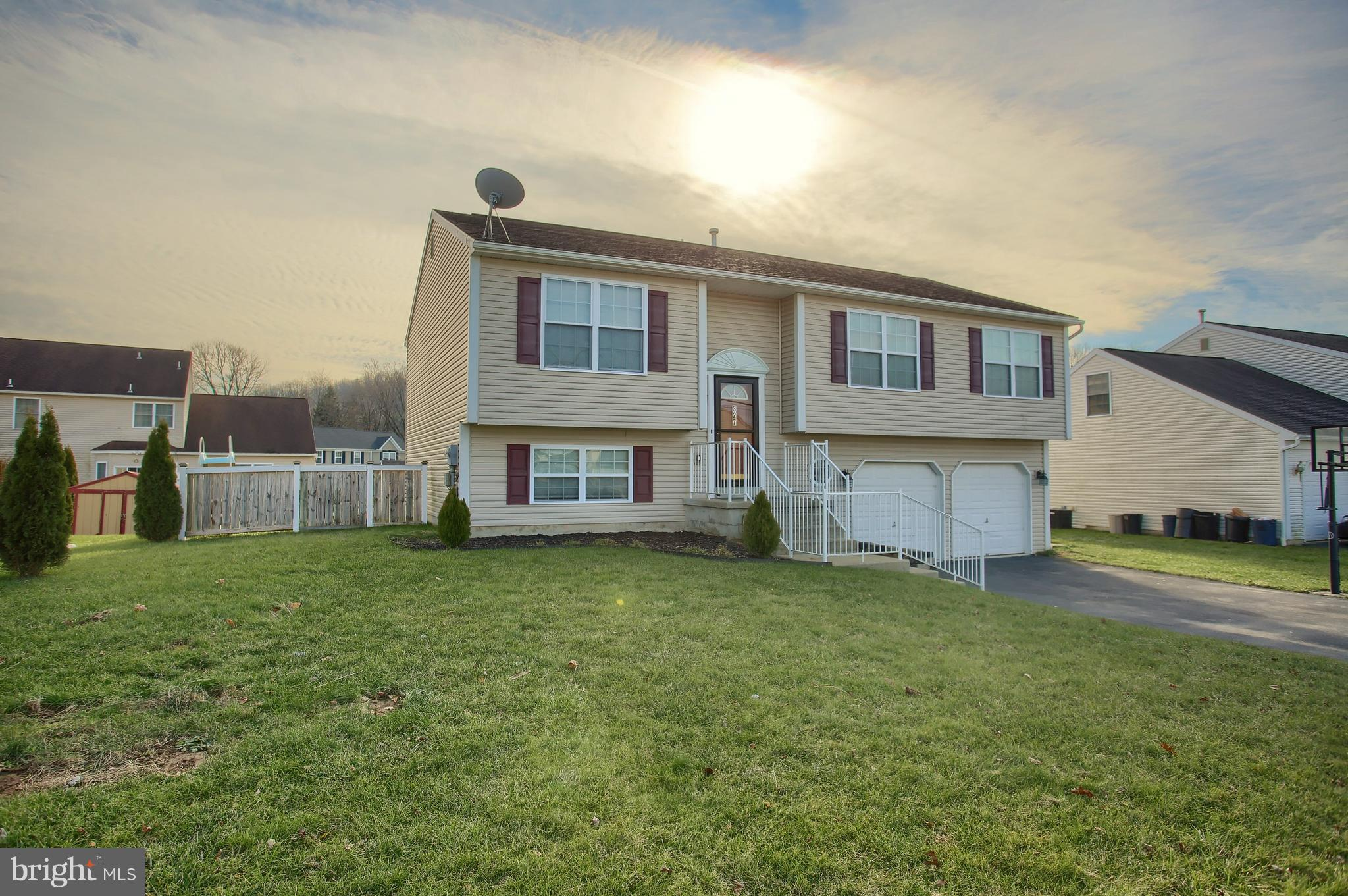 327 CRYSTAL ROCK ROAD, TEMPLE, PA 19560