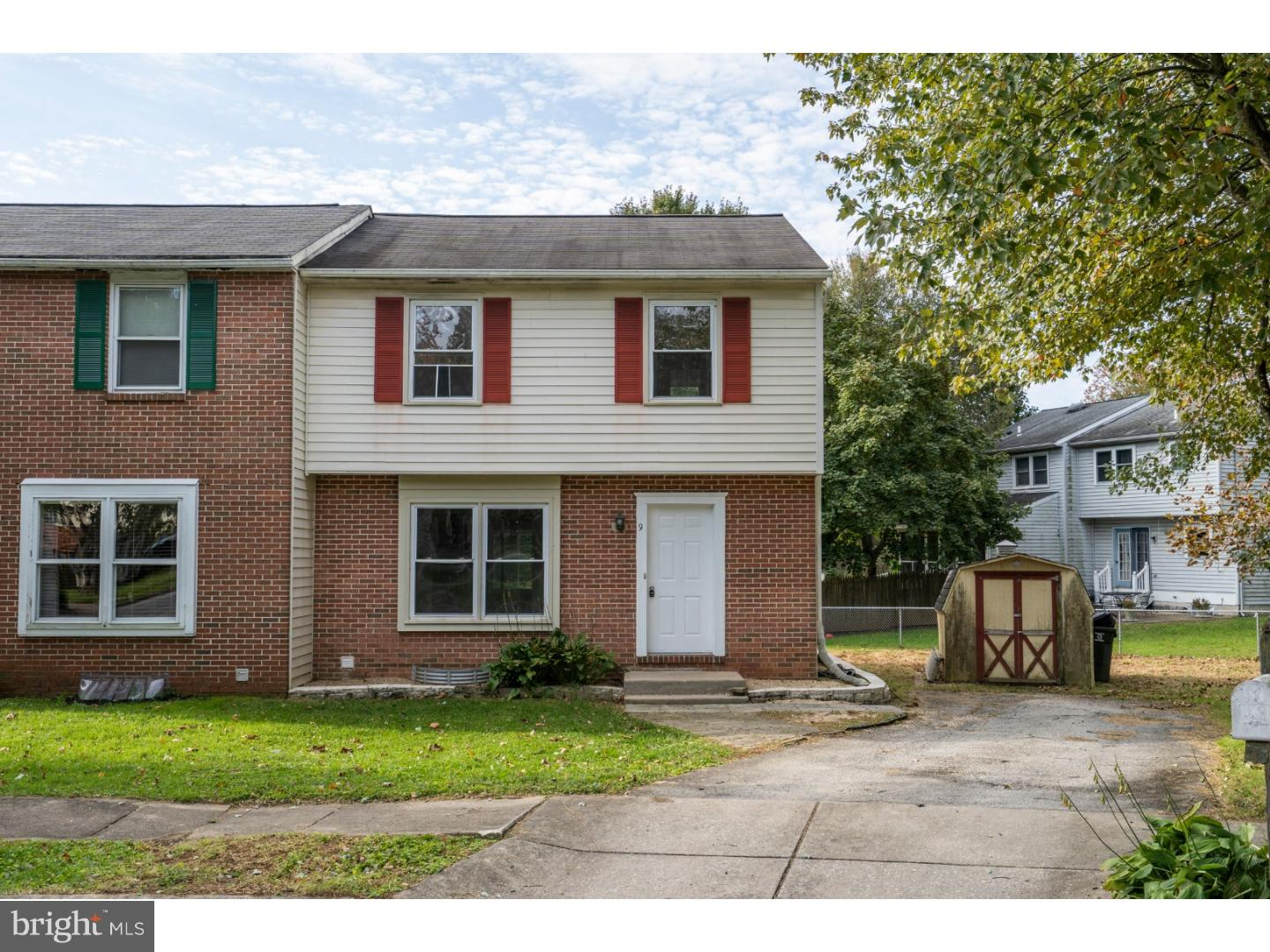 9 HARVEST DRIVE, THORNDALE, PA 19372