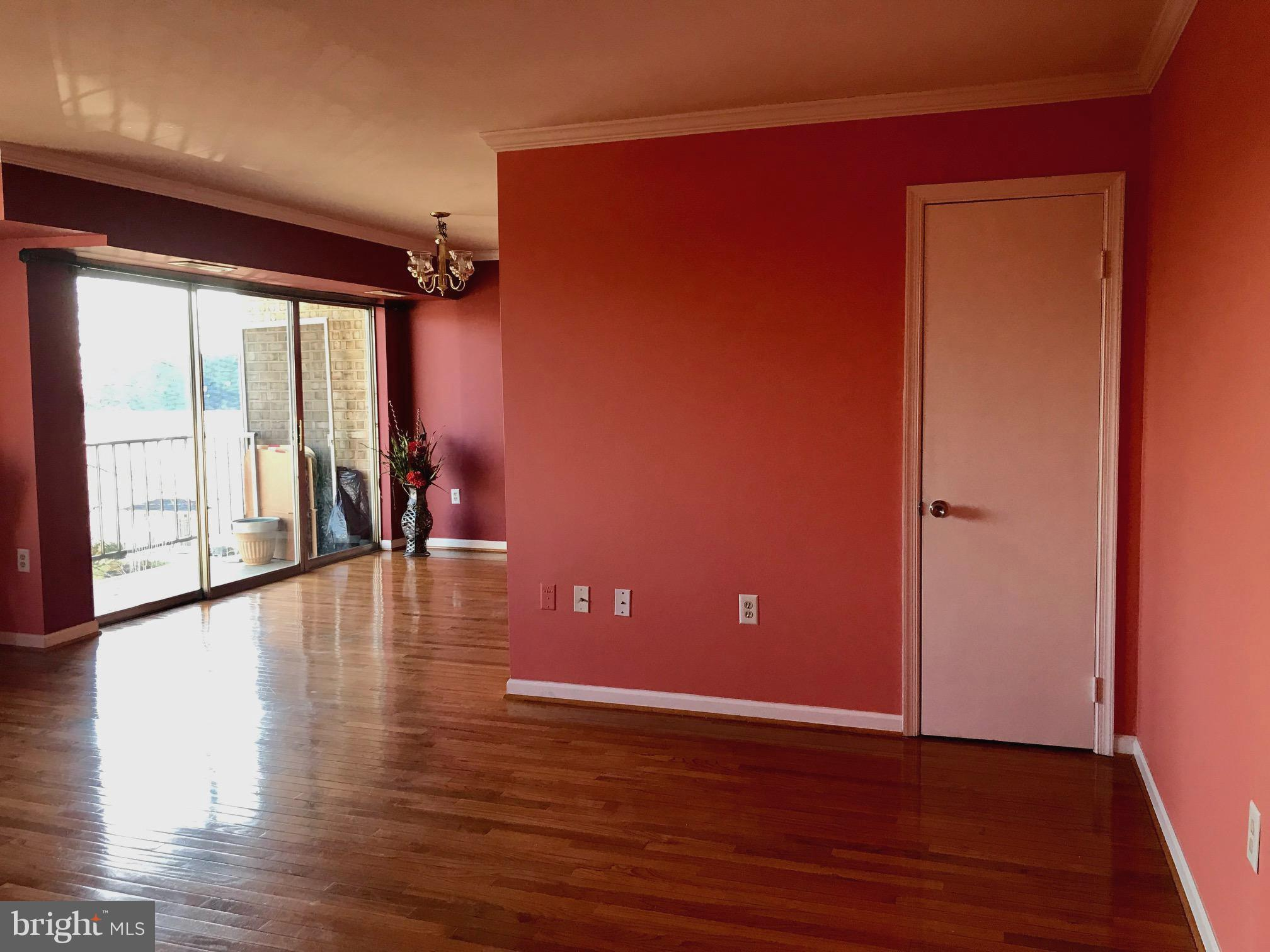 Perfect for the commute to DC, the Pentagon , Fort  Belvoir and Quantico.Close to I-95, Rt 1 and Rt 123. Two  Bedroom condo with den. Condo fee includes all utilities, basic cable and community pool. Ample parking. Laundry facilities in each bldg. Each unit has secured storage in basement.