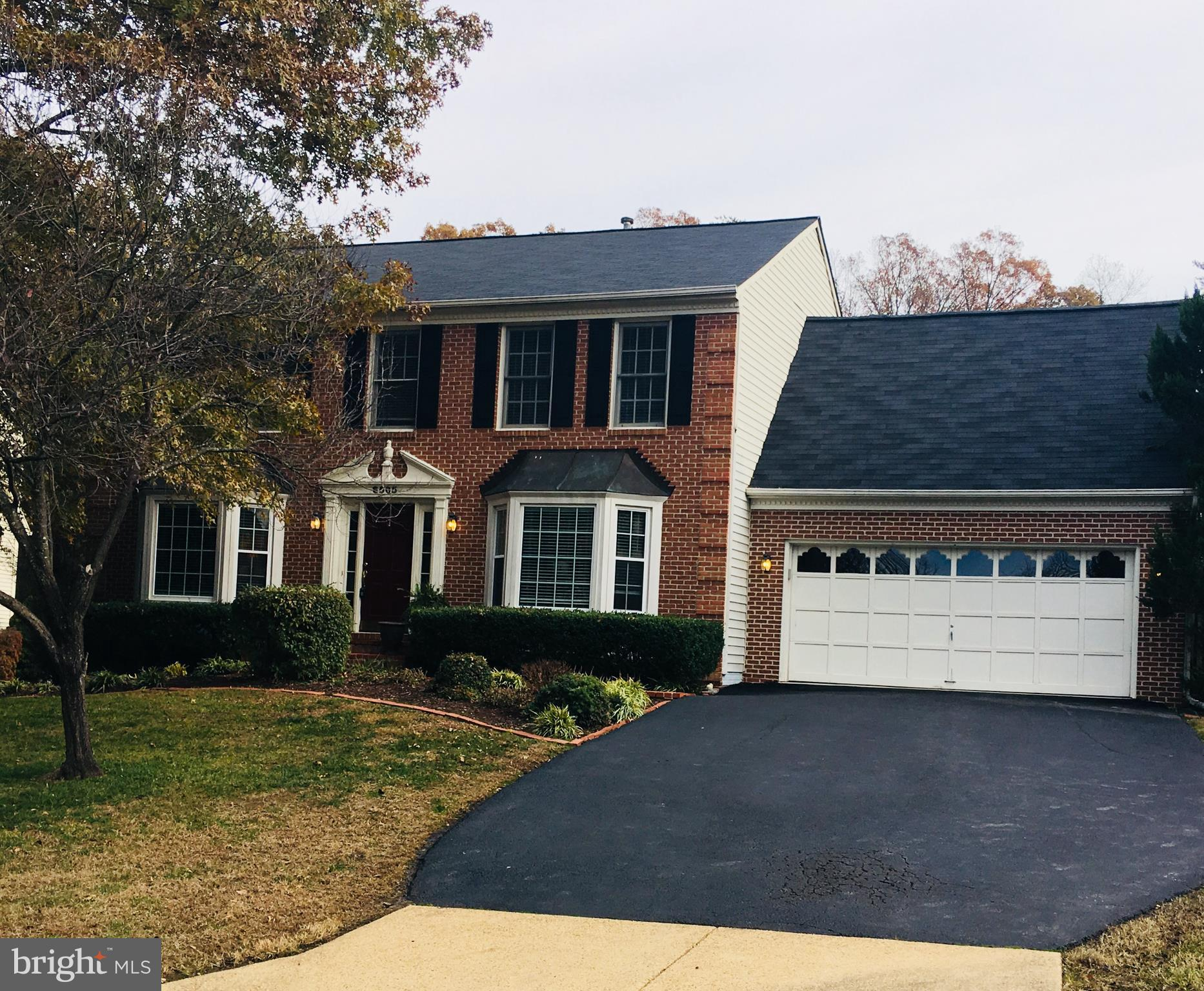 Lovely Colonial on a cul-de-sac lot moments to the Parkway.Large country kit w island opens to family rm w fpl & out to deck.  Master retreat w luxury bath & huge walk-in closet!  LL w rec rm area and den(or 5th bdrm).  Great neighborhood too!