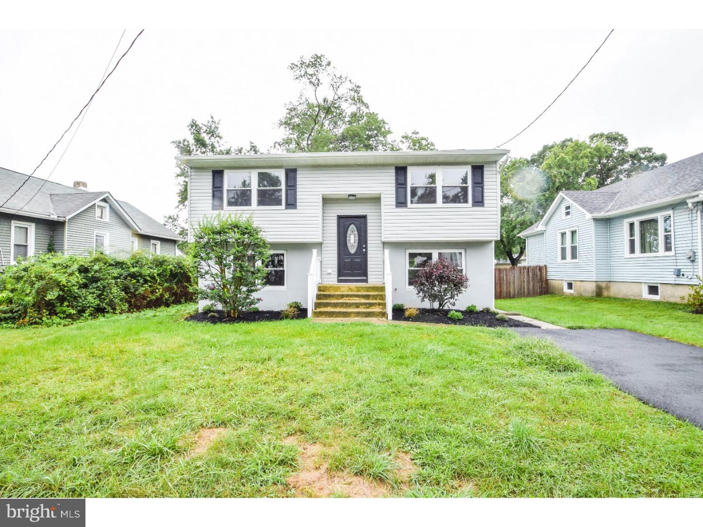 220 E WASHINGTON AVENUE, MAGNOLIA, NJ 08049
