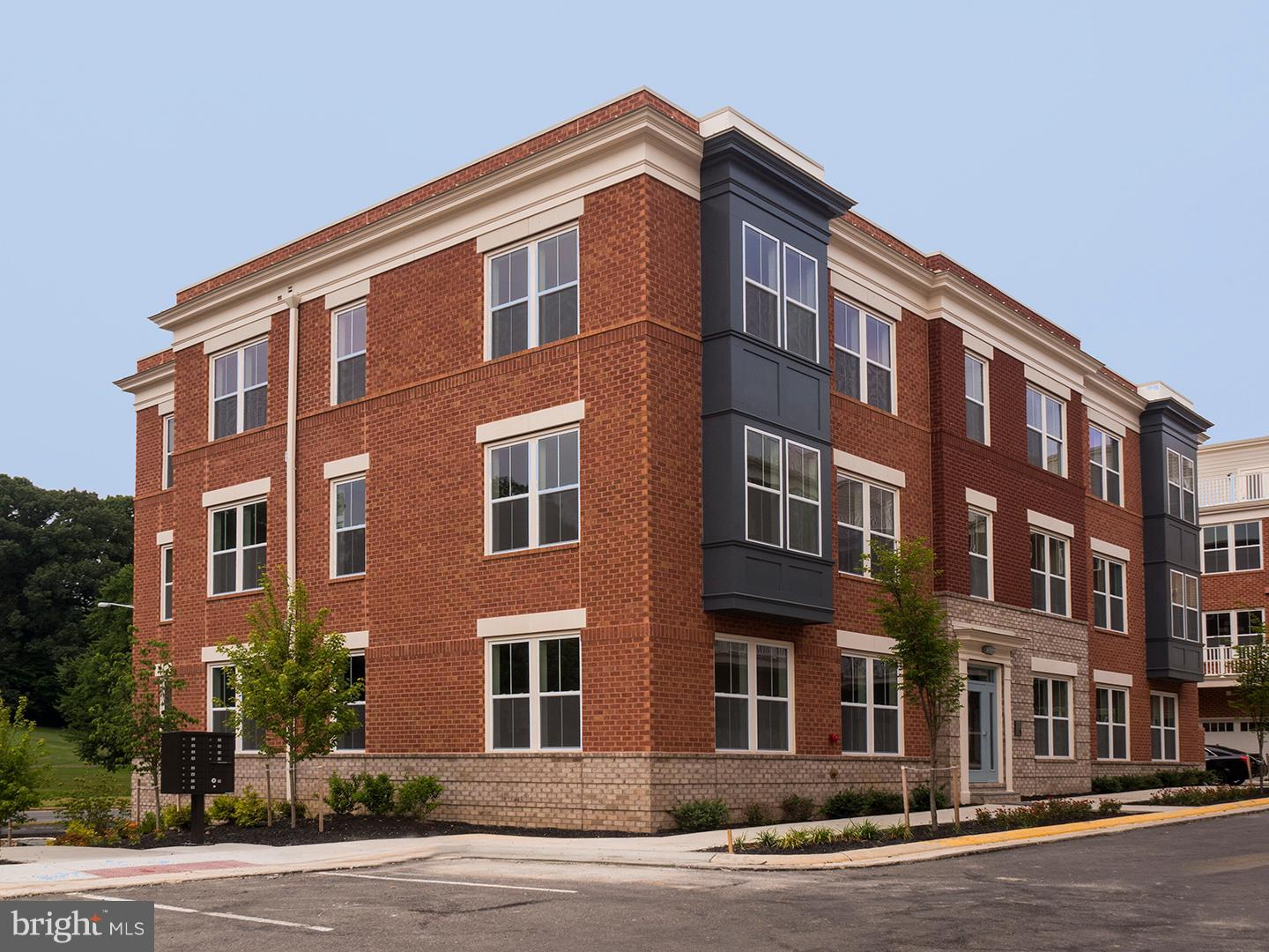 BRAND NEW CONDO BUILDING.  TO TOUR MODEL, COME TO SEKAS HOMES SALES OFFICE AT ROLAND CLARKE PLACE RESTON, VA.  SUNRISE SQUARE