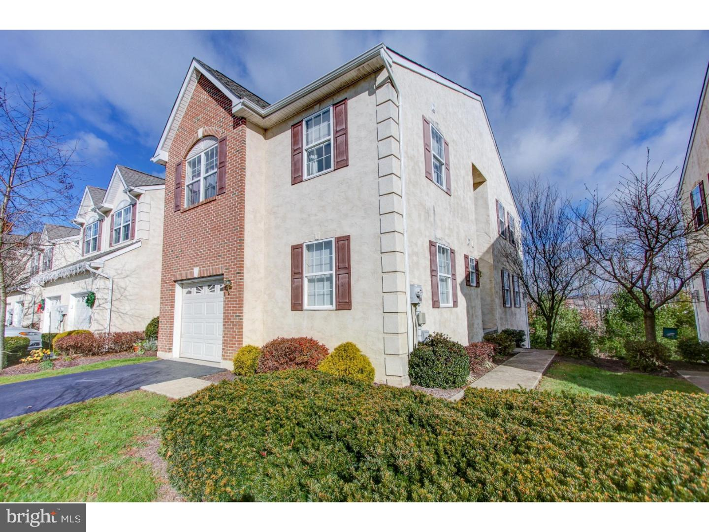 934 VANGUARD DRIVE, RED HILL, PA 18076