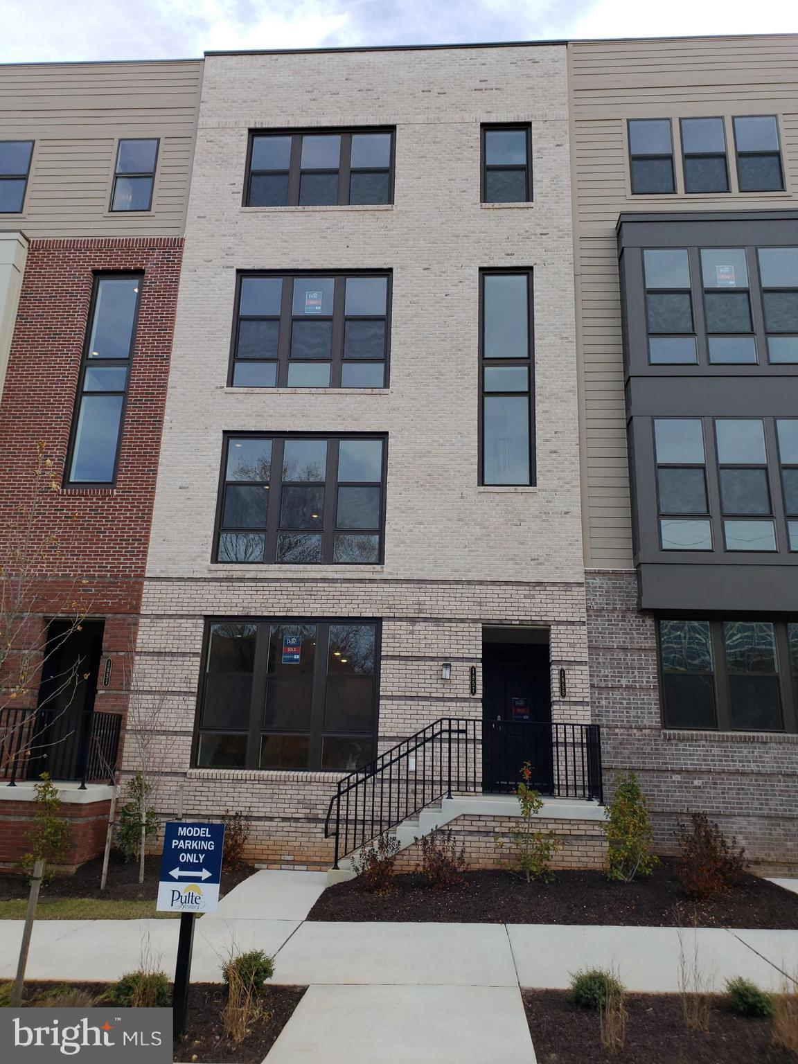 BRAND NEW LUXURY 2-LEVEL TH/CONDO W/ 1 CAR GARAGE AT THE BRAND NEW LOFTS OF RESTON STATION.  EASY WALK TO RESTON-WIEHLE AVE METRO!! (CLICK MAP TO SEE HOW CLOSE!). COMPLETELY OPEN FLOOR PLAN, SS APPLIANCES, GAS STOVE, QUARTZ COUNTERS, WOOD FLOORS, RECESSED LIGHTING, 42'' CABINETS, 3 LARGE BEDROOMS UPSTAIRS, LUXURY MBA W/ DUAL VANITIES & DUAL SHOWER W/ GLASS DOOR.  ADDL WALK-IN CLOSET IN MBA.  FLOOR TO CEILING WINDOWS ON FIRST FLOOR. 1 ADDITIONAL ASSIGNED PARKING SPACE. NEXT TO W & OD TRAIL & BIKE SHOP/CAFE.  AVAILABLE IMMEDIATELY. PREFER 2-3 YEAR LEASE.